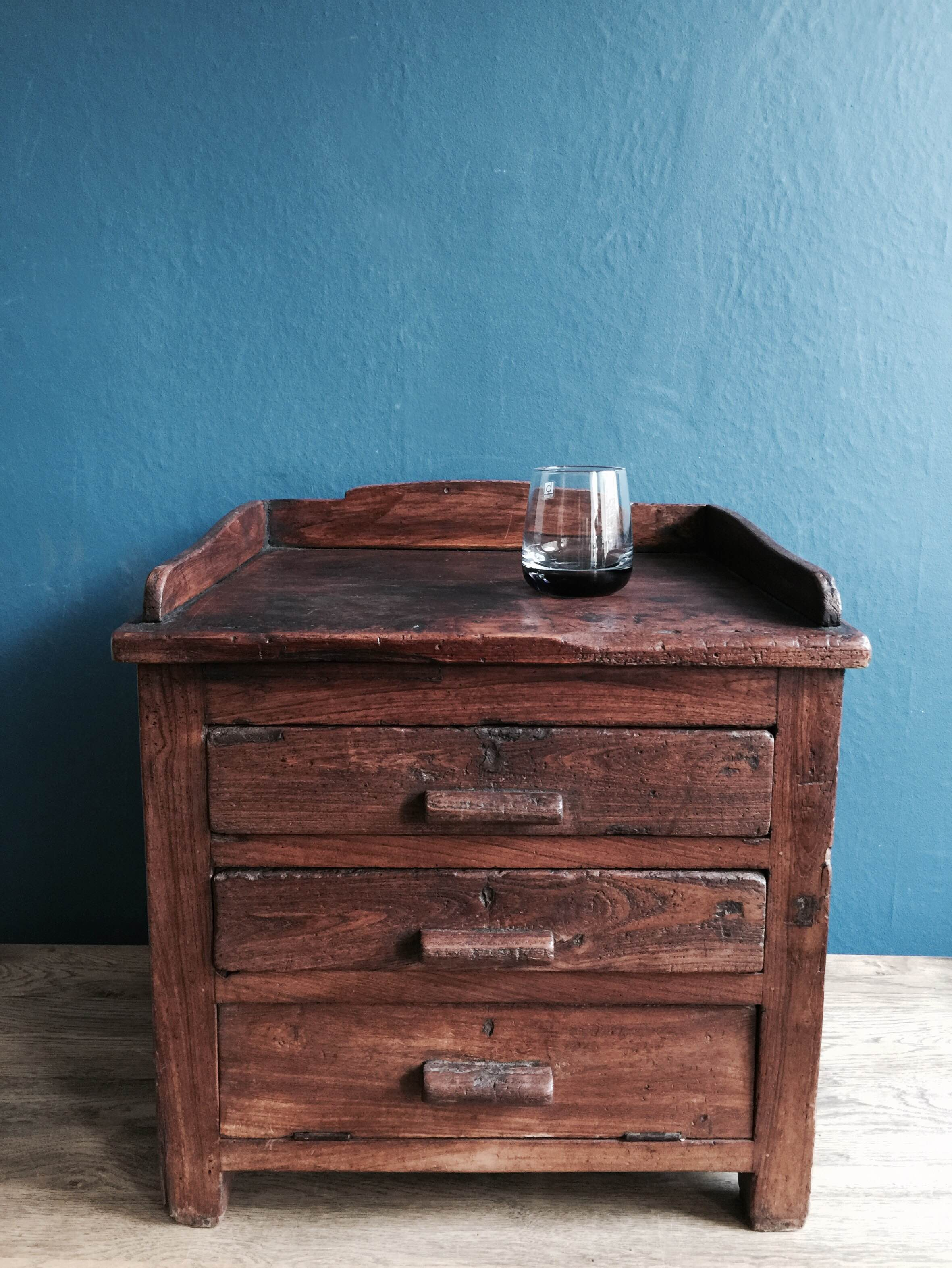 Wooden Chest Of Drawers Stock no.5029 (glass).JPG