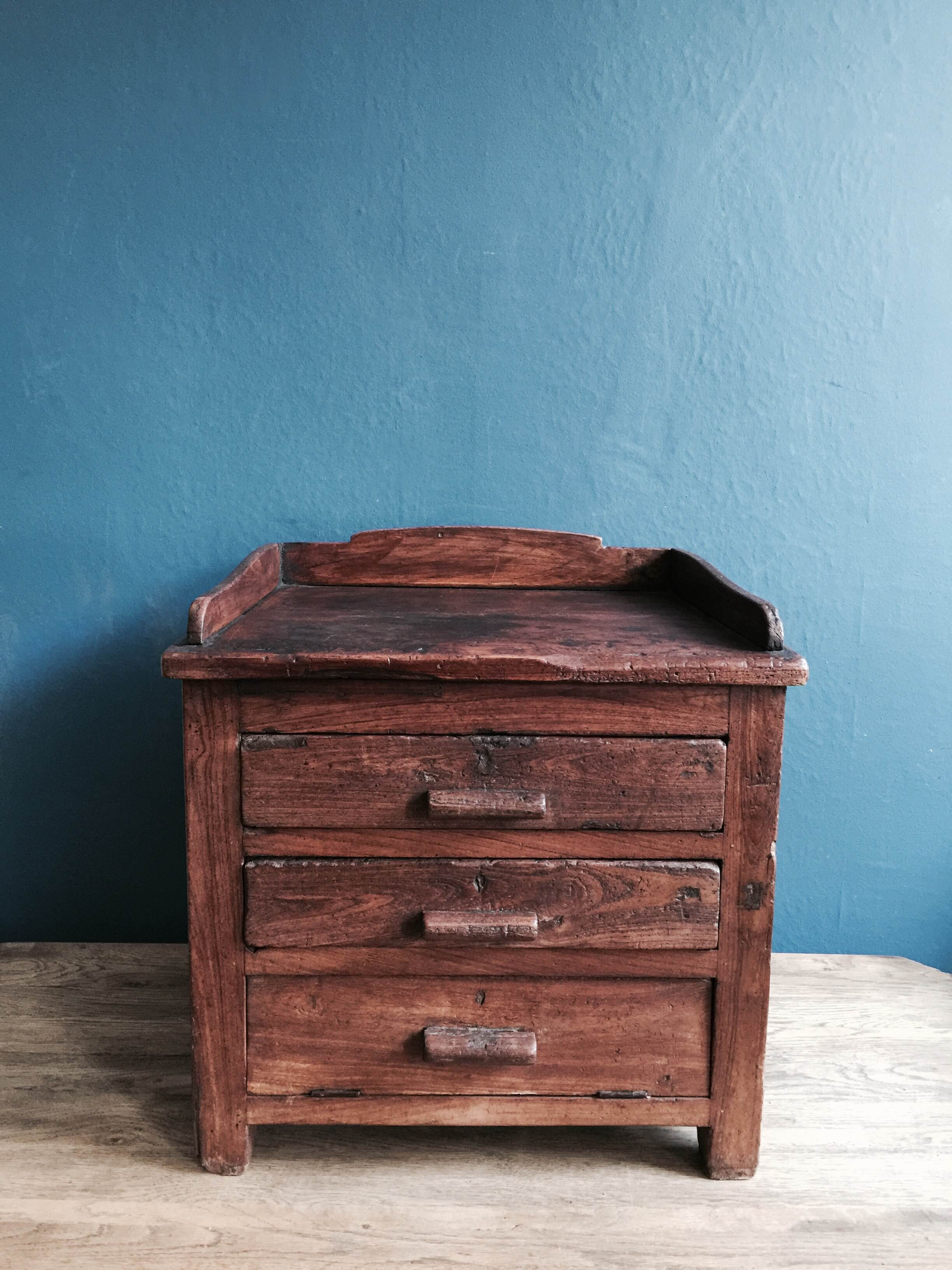 Wooden Chest Of Drawers Stock no.5029.JPG