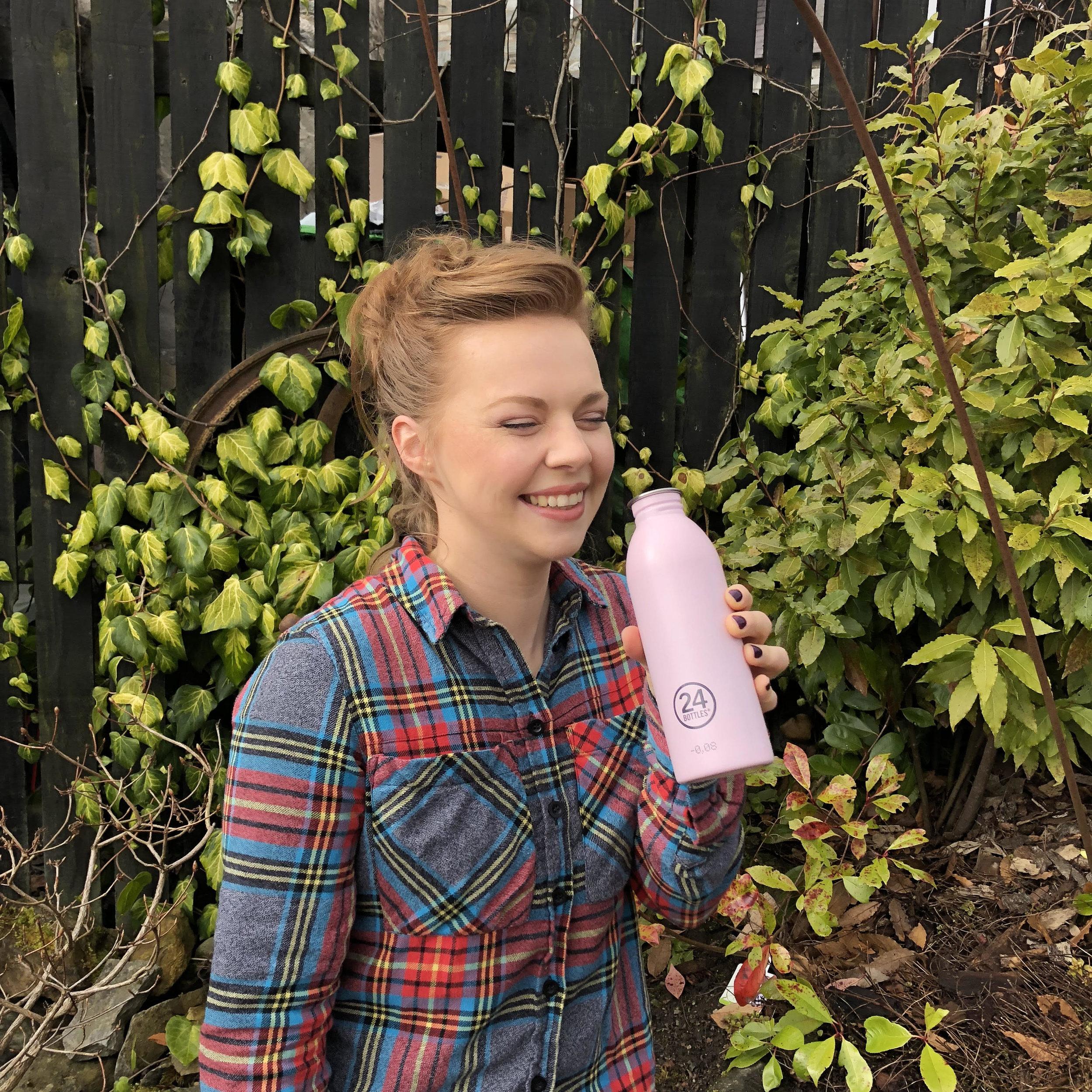 pink 24 bottle happy.jpg