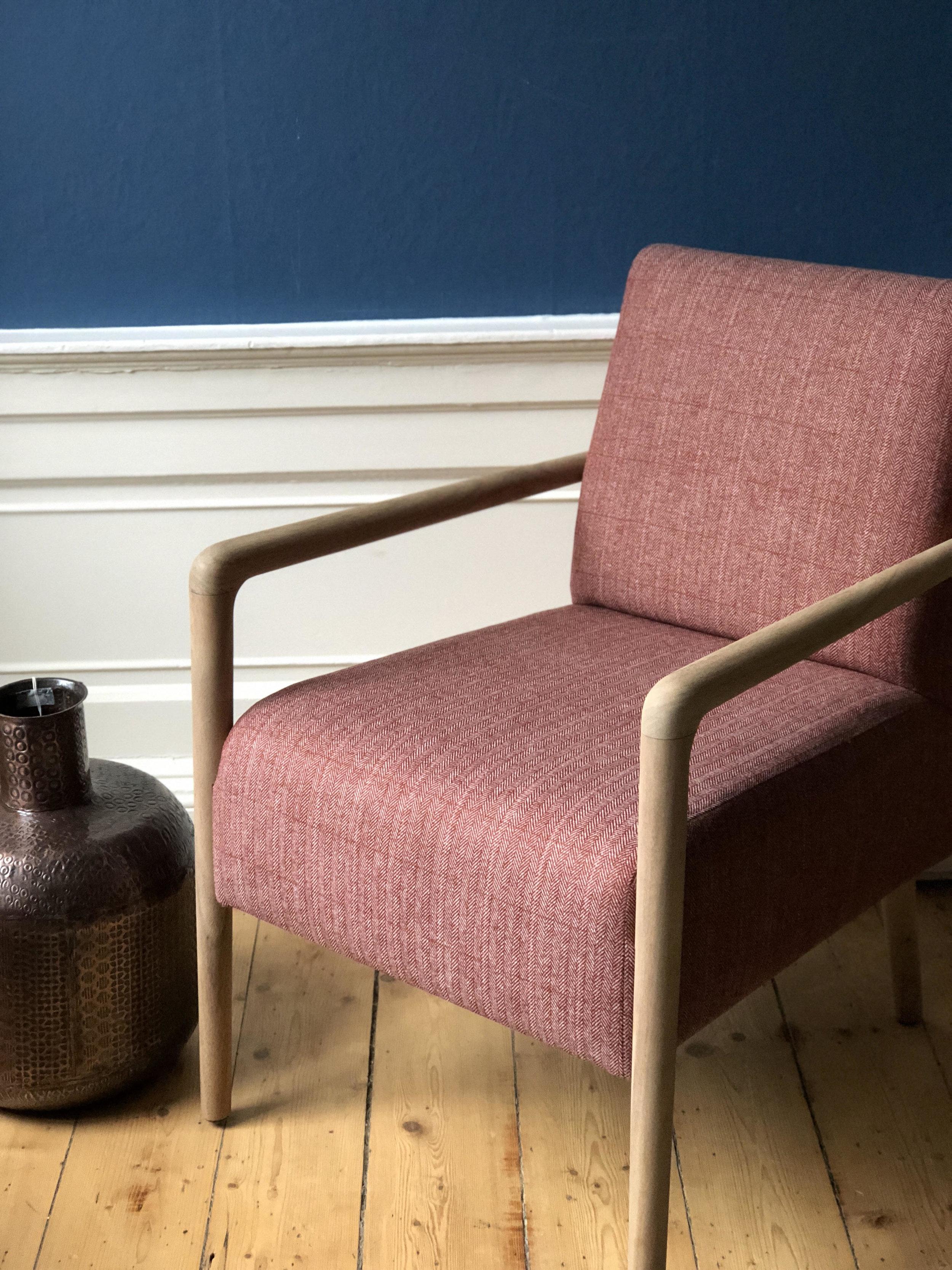 pentland chair 2.jpg