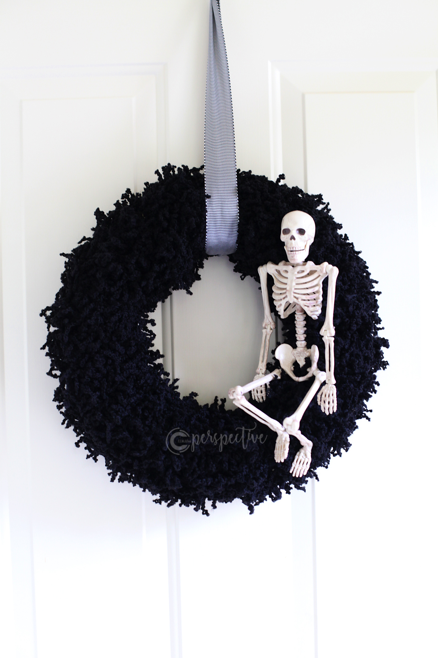 halloween wreath, skeleton wreath