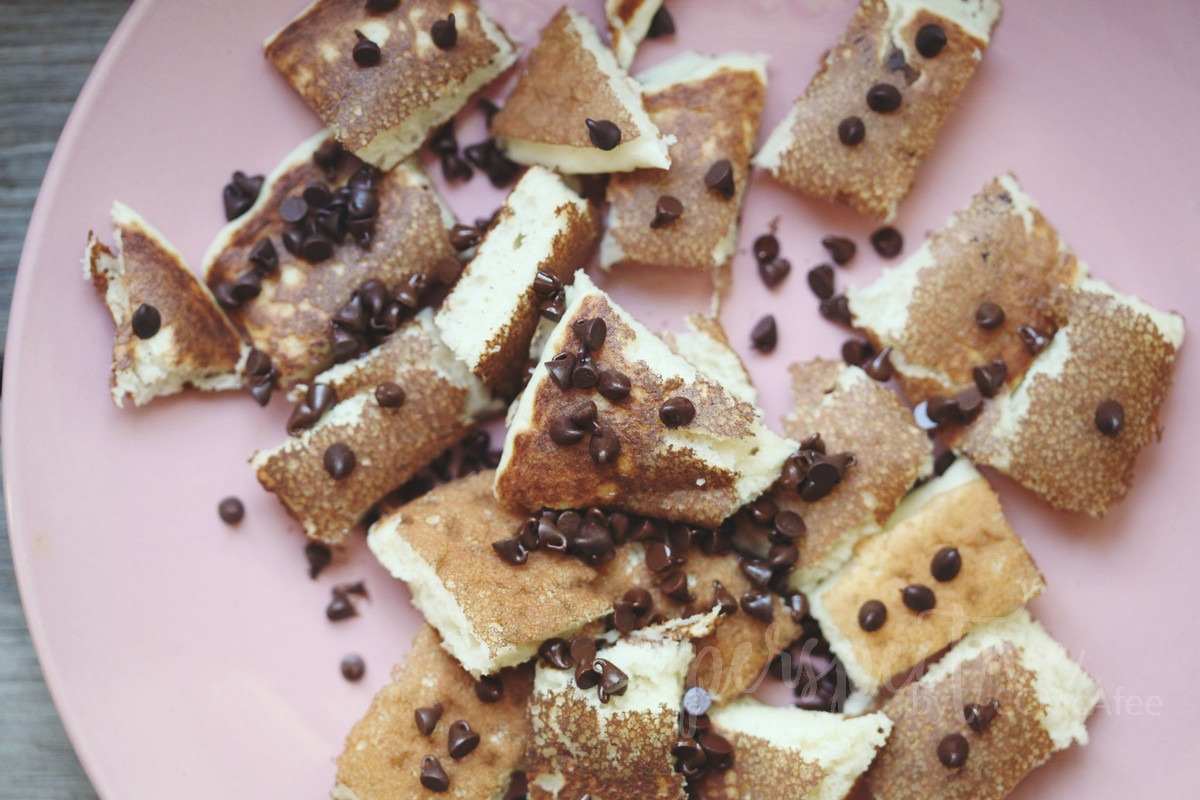 chocolate chips with pancakes