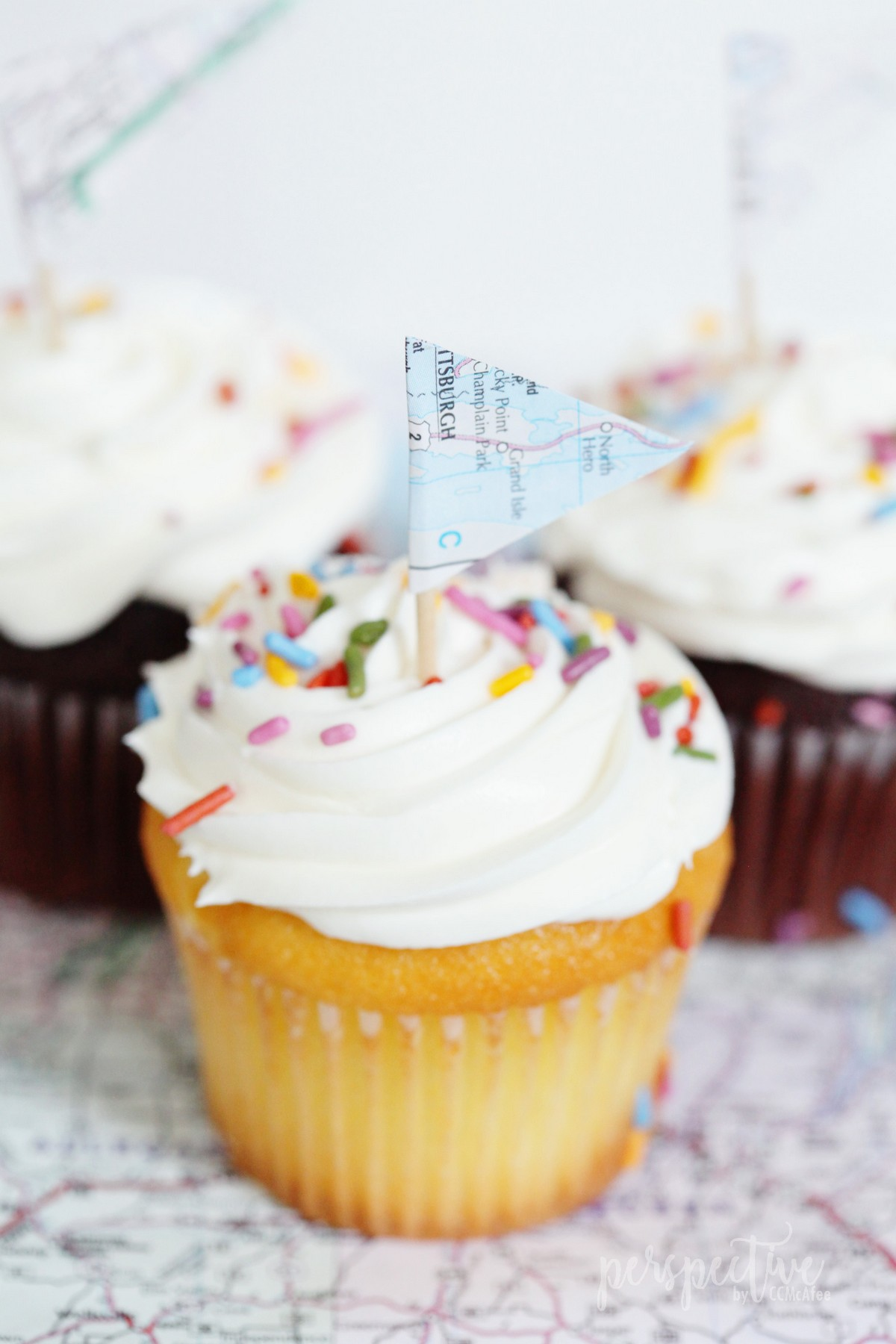 map flag cupcake topper