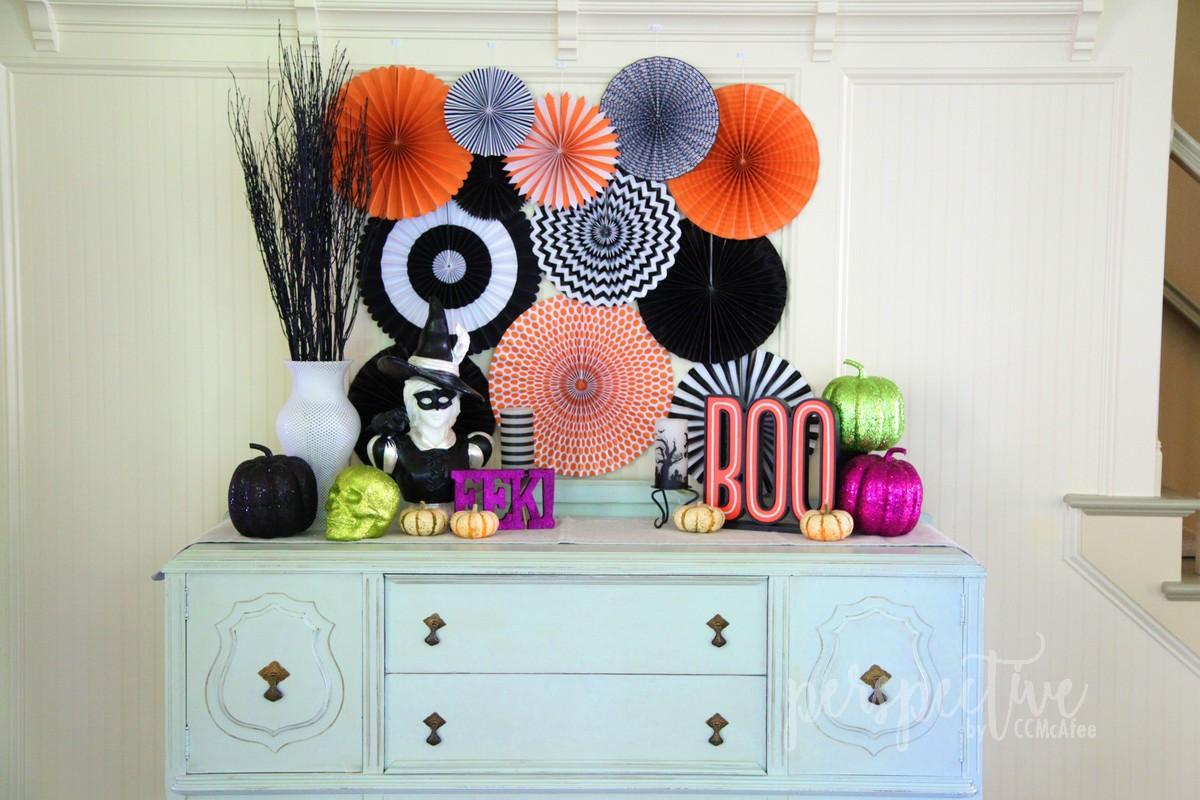 halloween decor kitchen (3).jpg