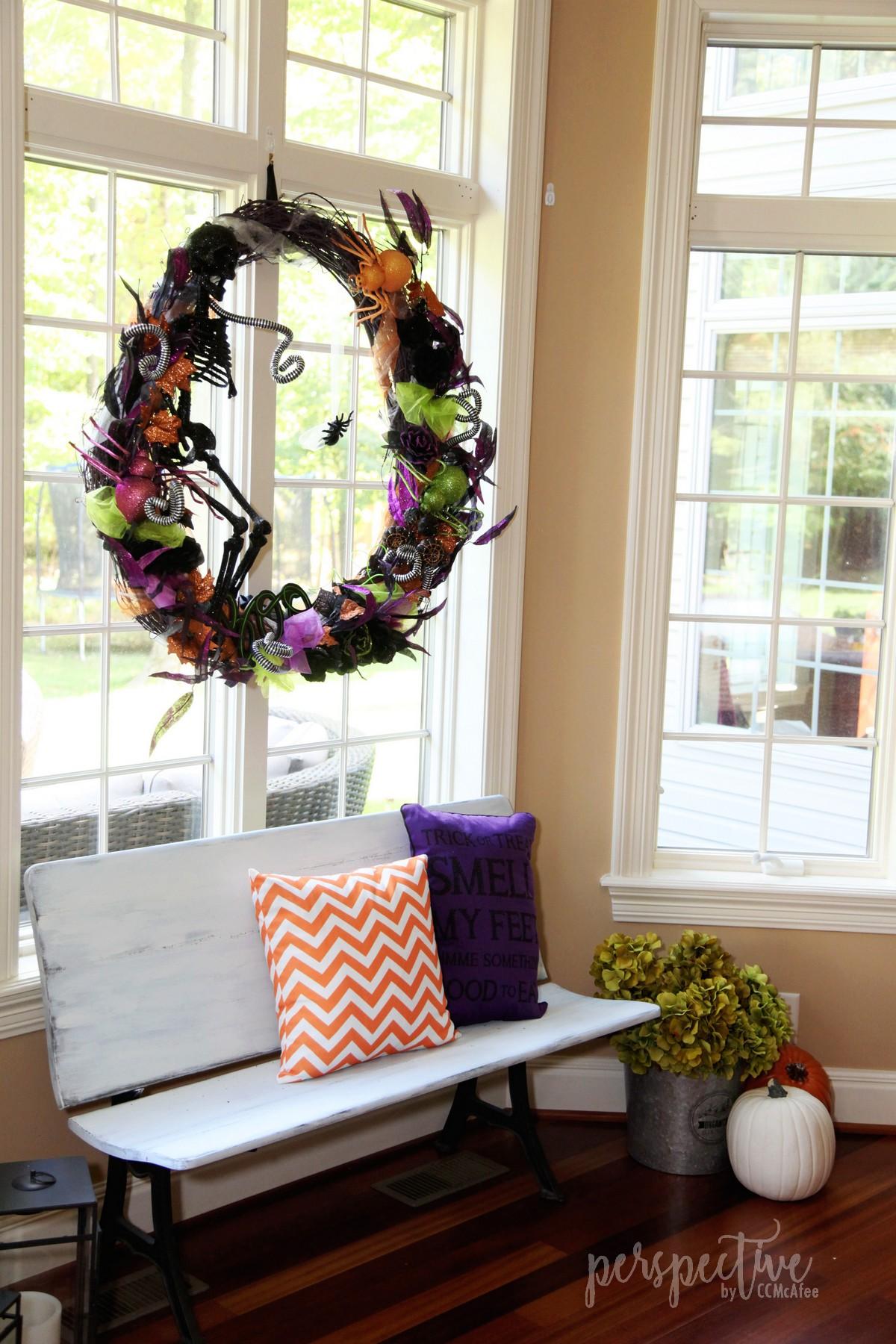 halloween wreath (2).jpg