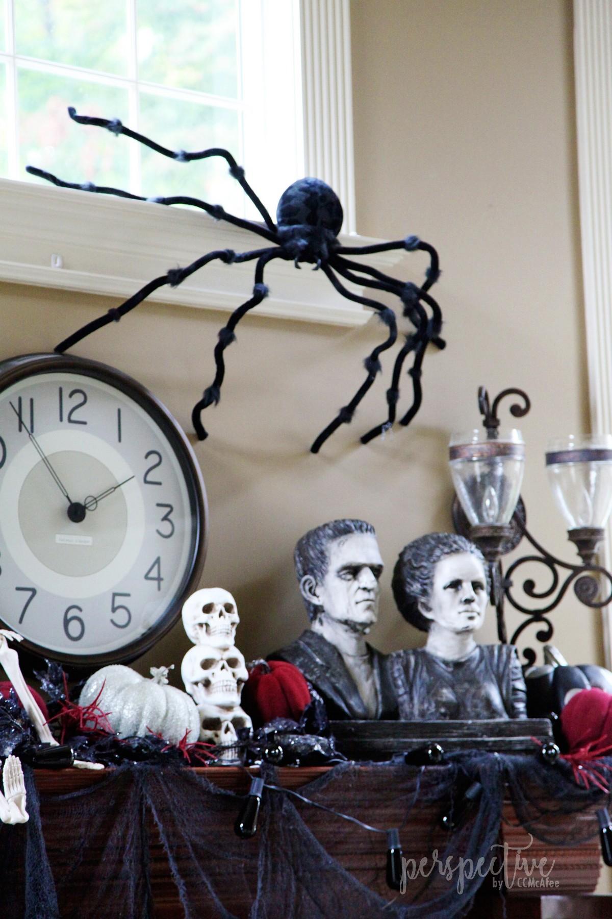 halloween mantle (5).jpg