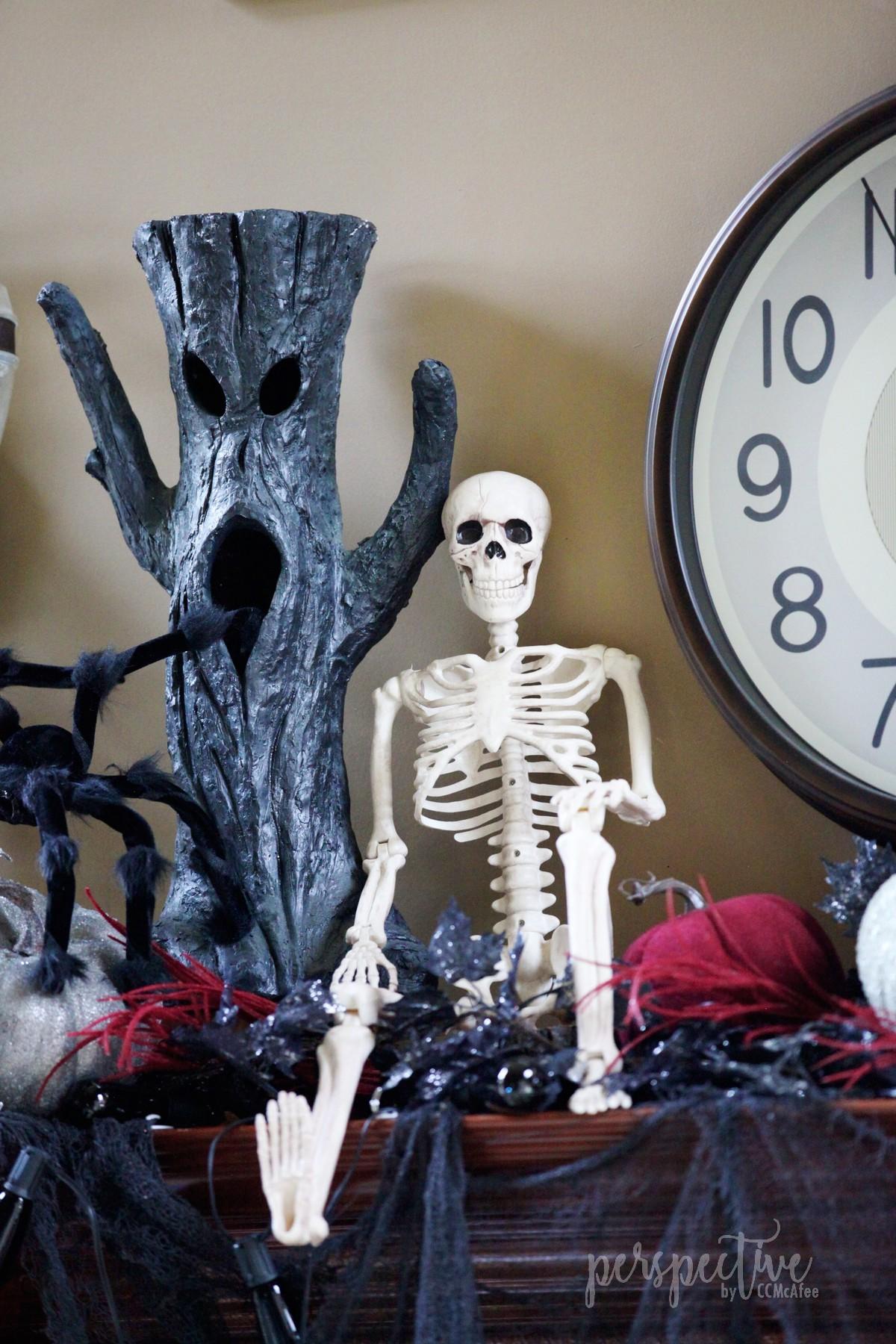 halloween mantle (10).jpg