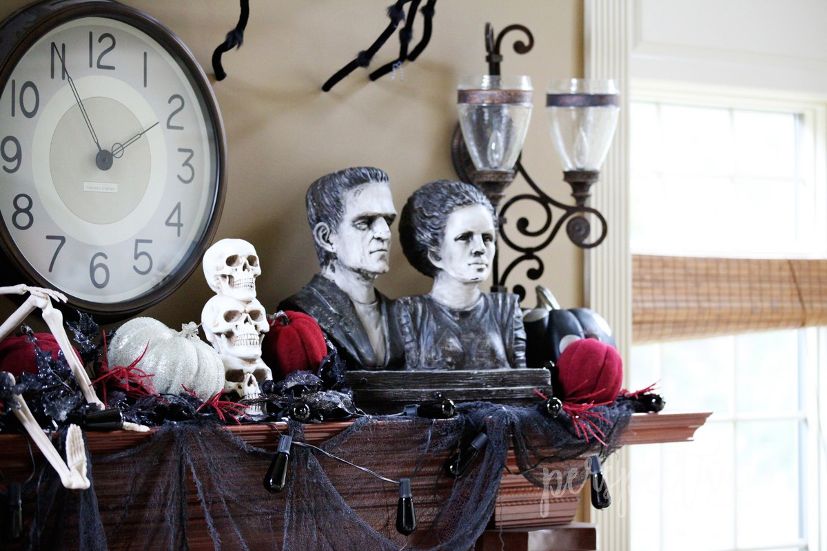 halloween mantle (6).jpg