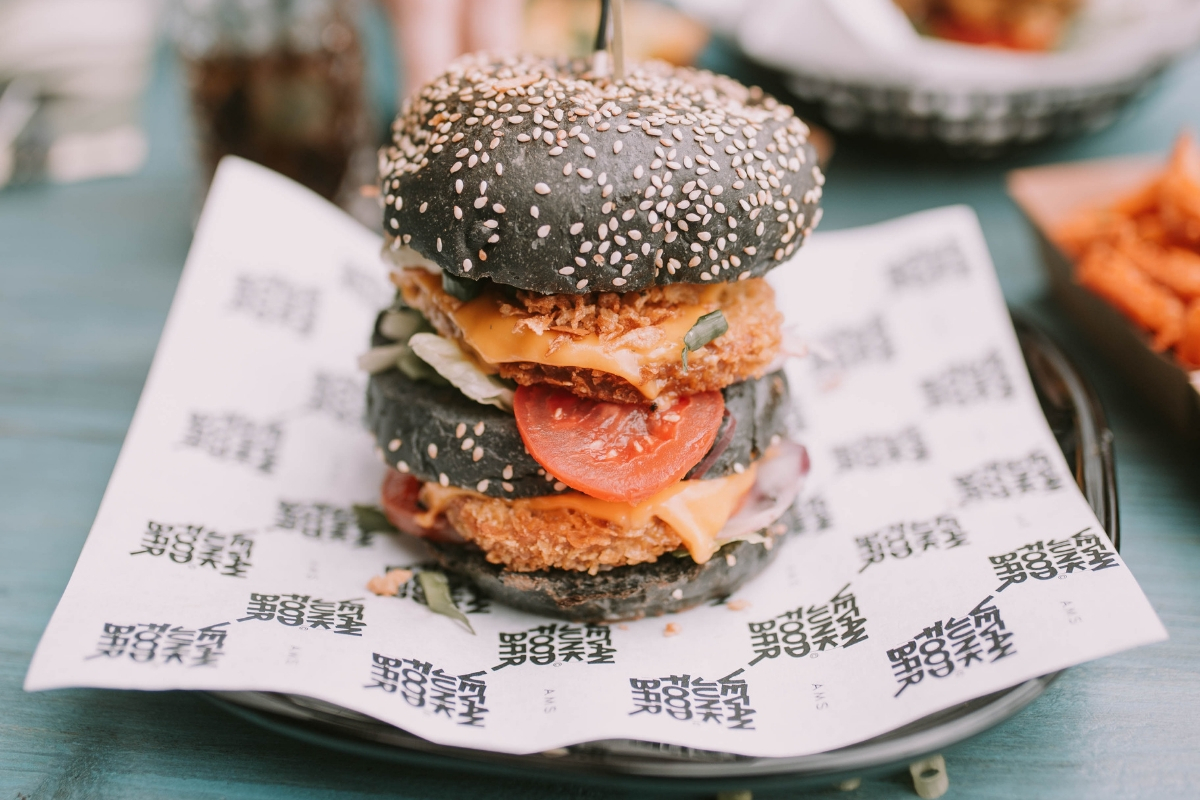 Vegan charcoal burger