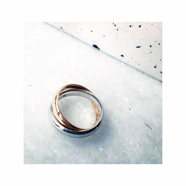 Oh heyyyyyy! Mix old and new with a double banded ring like this gorgeous one for the lovely @karlsson_linn_ 💜  #kindjewellery #bespokejewellery