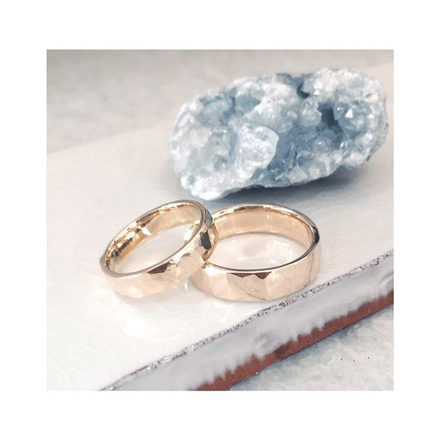 Ooooh la Love 💫  Consciously handmade using responsibly sourced materials.  #kindwedding #ethicalweddingrings