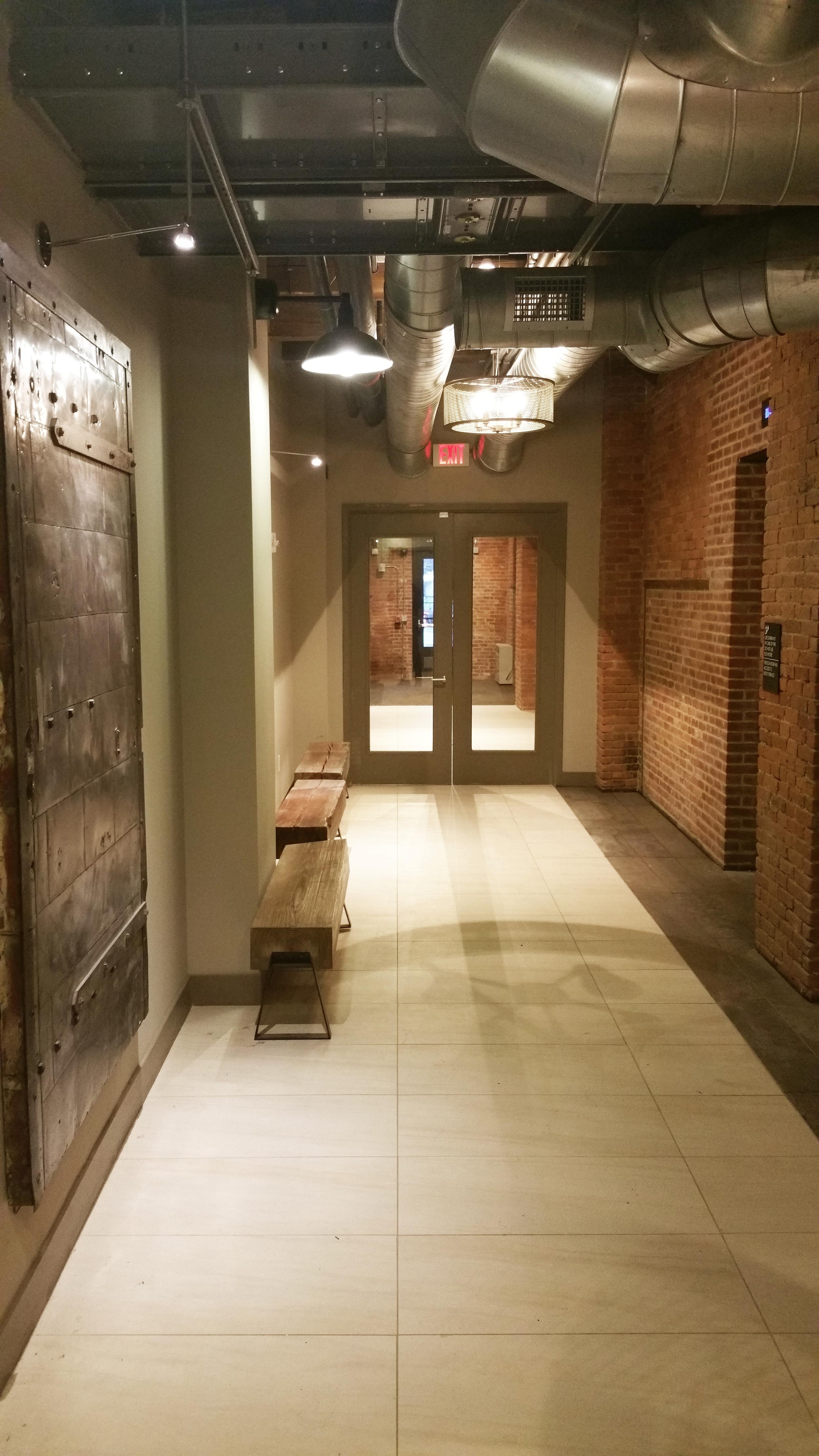 Hallway-03.jpg