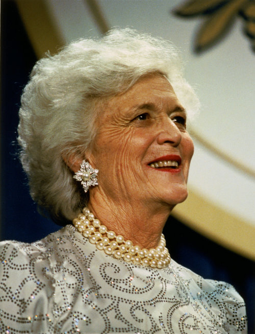 Barbara_Bush_portrait.jpg