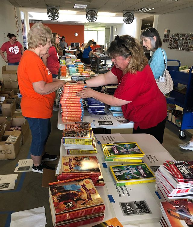 A special thanks to volunteers from #AstrosFoundation and #RocketsGiveBack who provided helping hands at the inaugural, semi-annual 'Big Book Giveaway' event. Thanks to their hard work and effort, we were able to distribute 25,000 new books to 28 community and non-profit partners! 📚