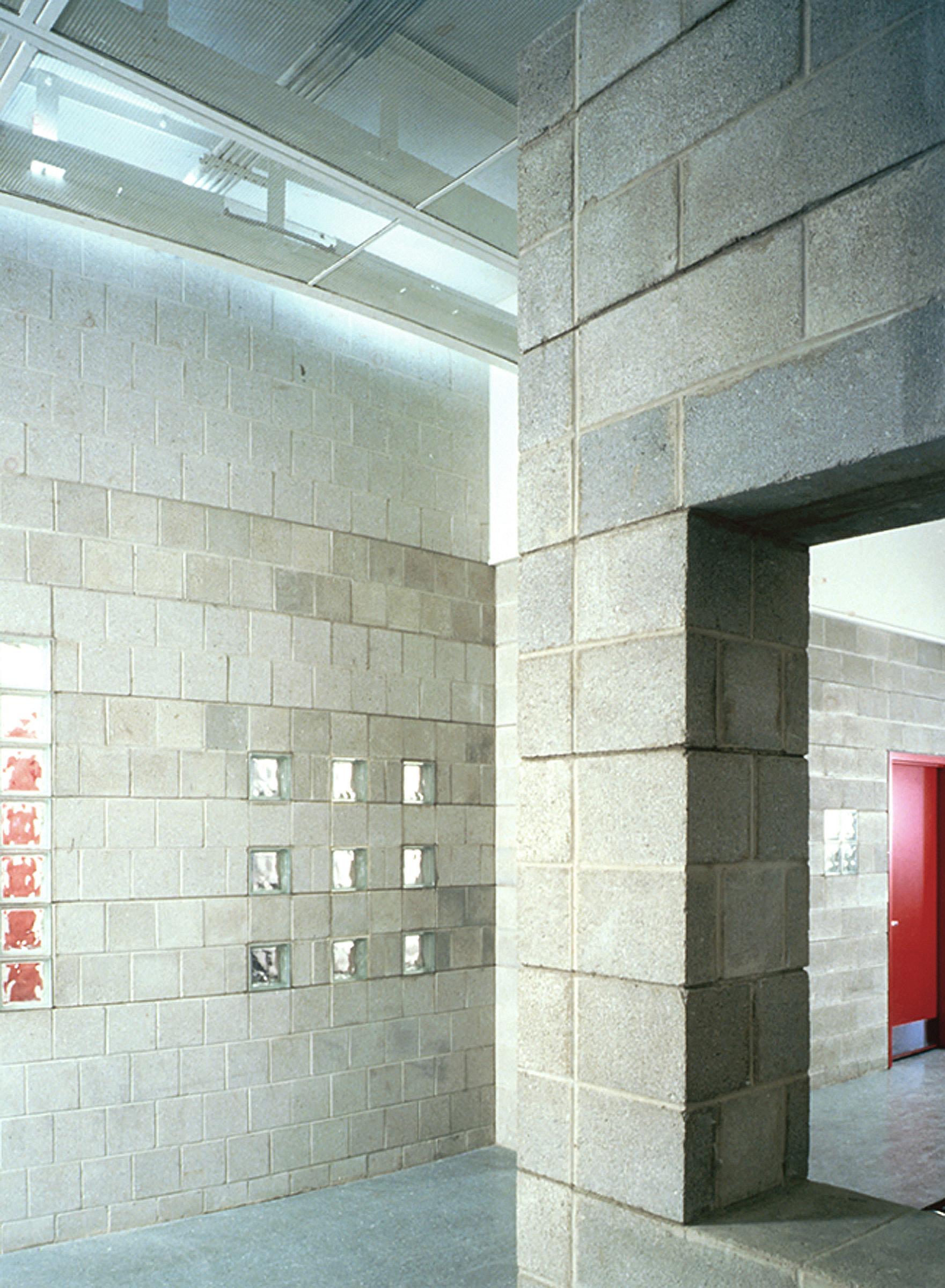 Com&Go - Interior - Masonry Wall.jpg