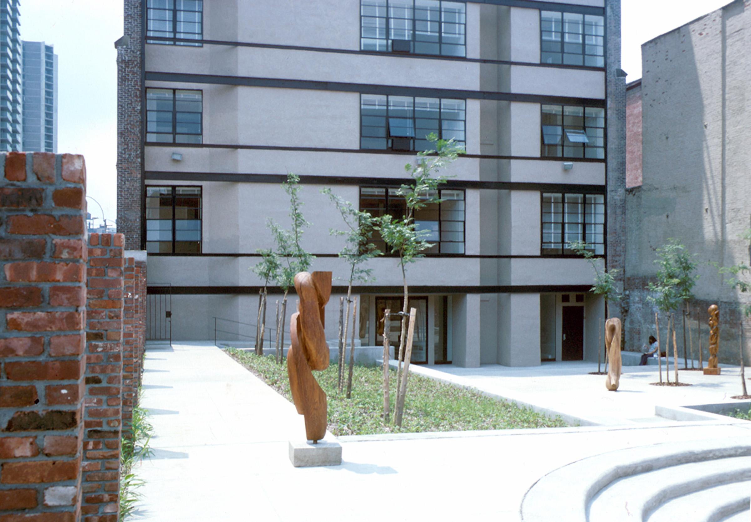 Henry Street - Courtyard.jpg