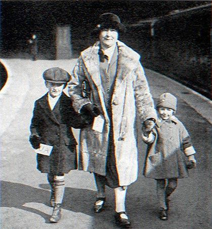 Universal Aunts – all-round nannies, tour guides and fixers – were the lifestyle consultants of the 1920s.