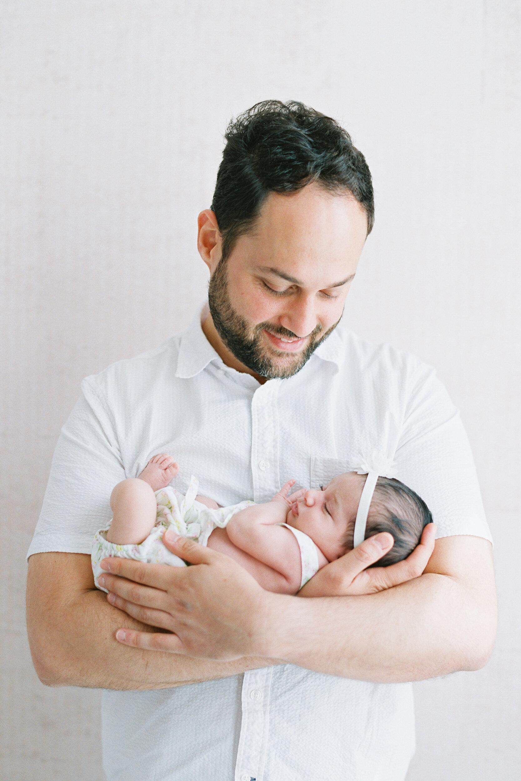 Brooklyn-Lifestyle-Newborn-Session-Photos-08.JPG