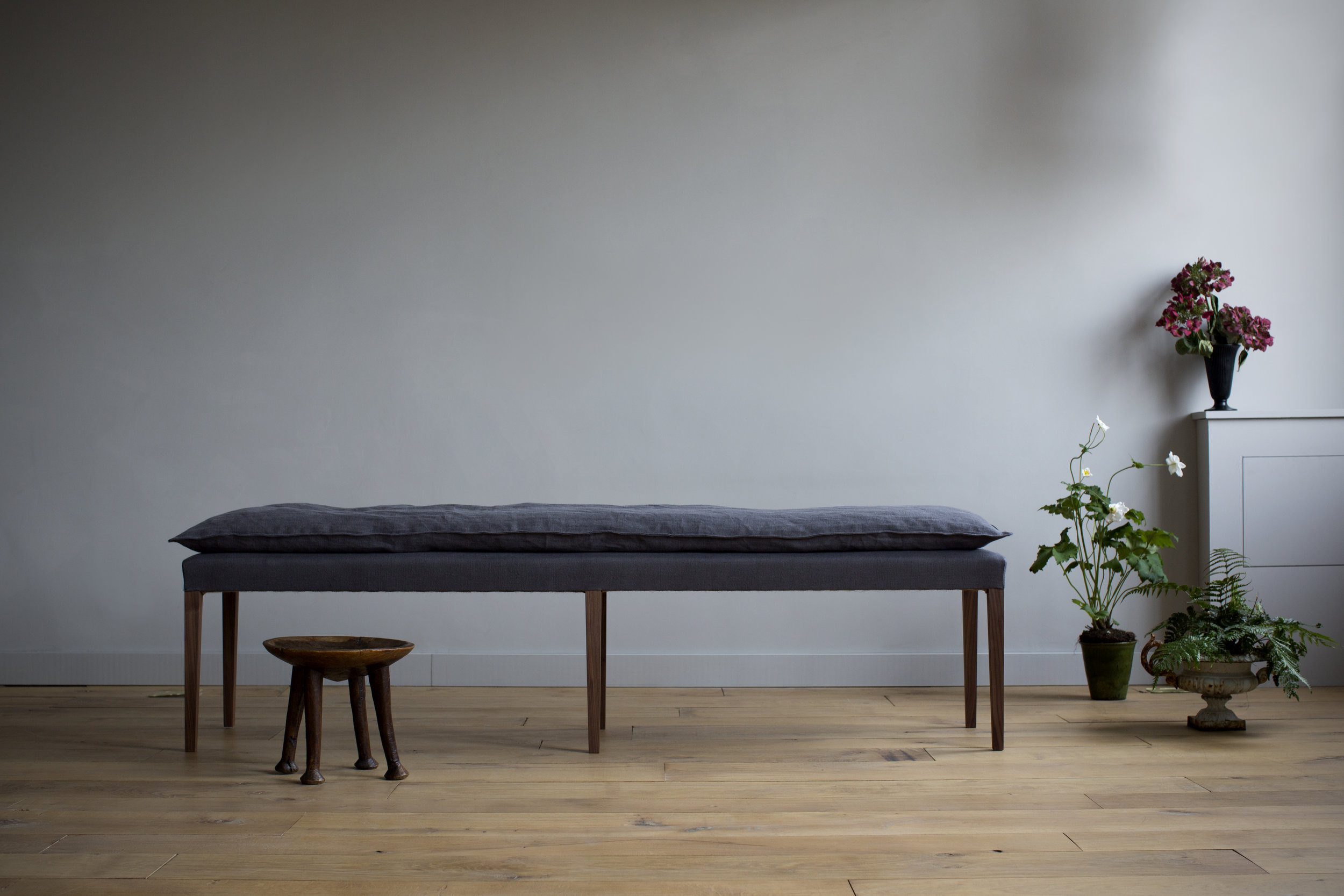 THE SIMPLE BENCH - ATELIER ELLIS