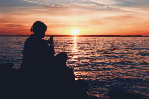 Text-giving_sunset_websize600.jpg