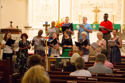 Chorale-in-worship_casual-dress.jpg