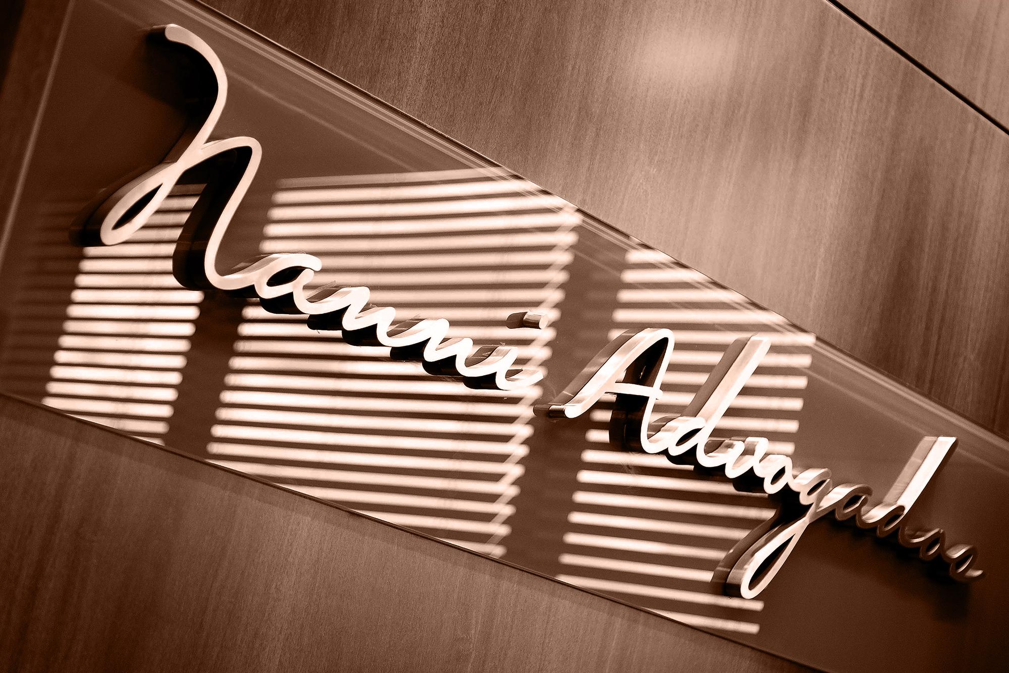 NanniAdvogados-lettering-trat.jpg