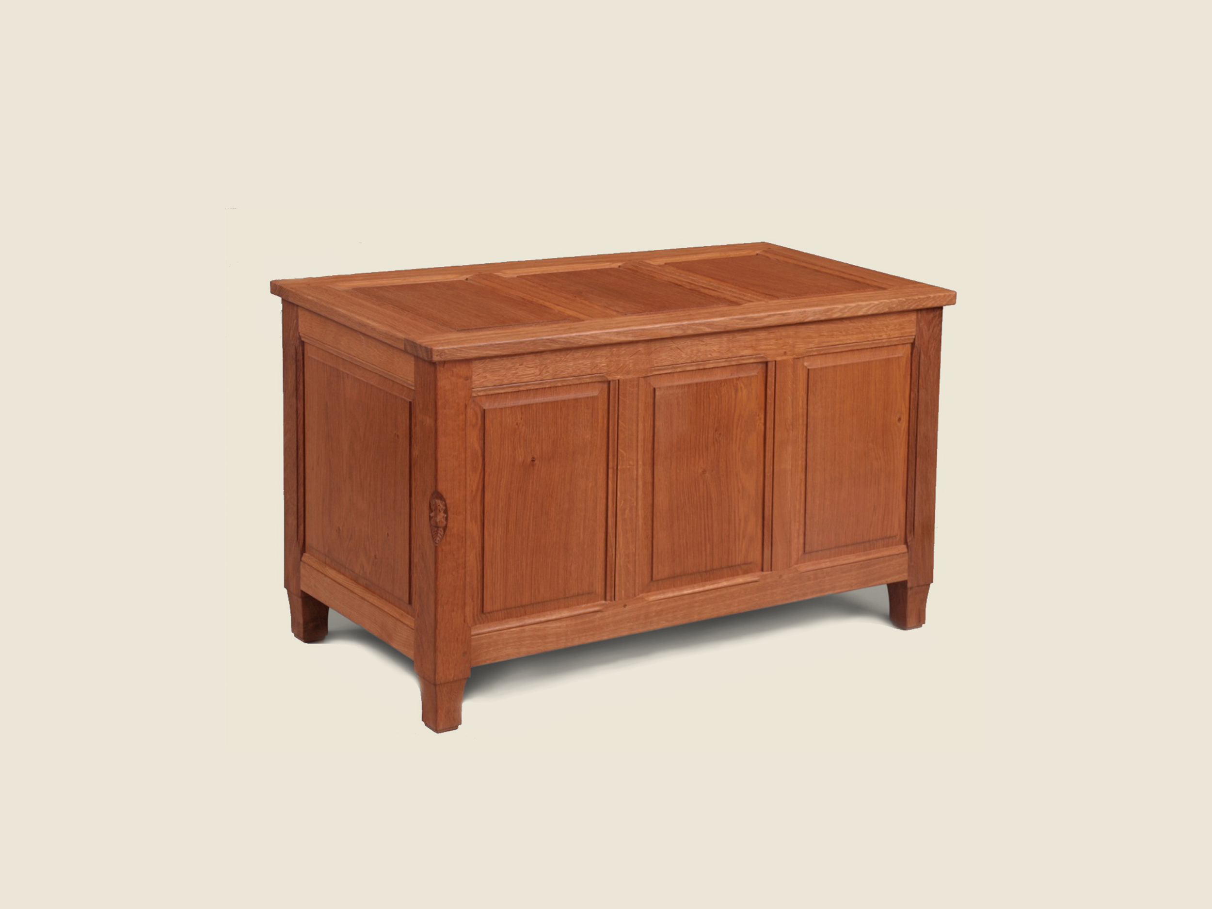 BFB_0000s_0001_bfb_014_solid_oakblanket_toy_chest.jpg.png