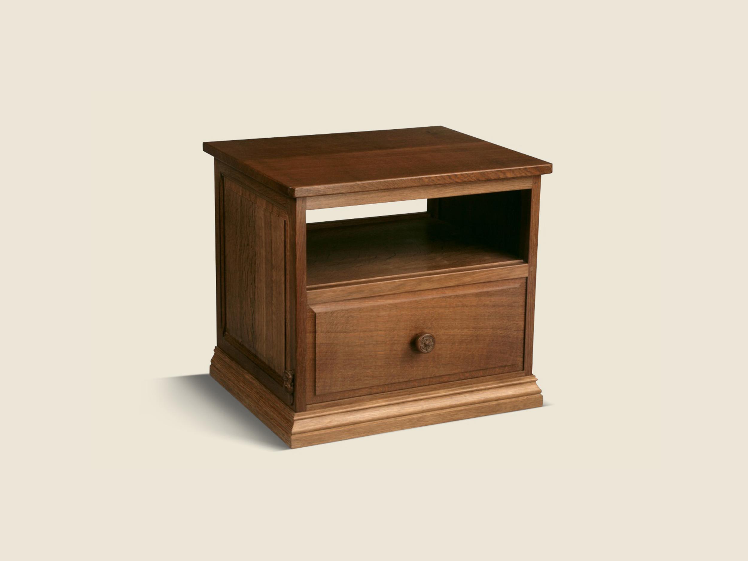 BF607 Solid Oak Bespoke Television Cabinet