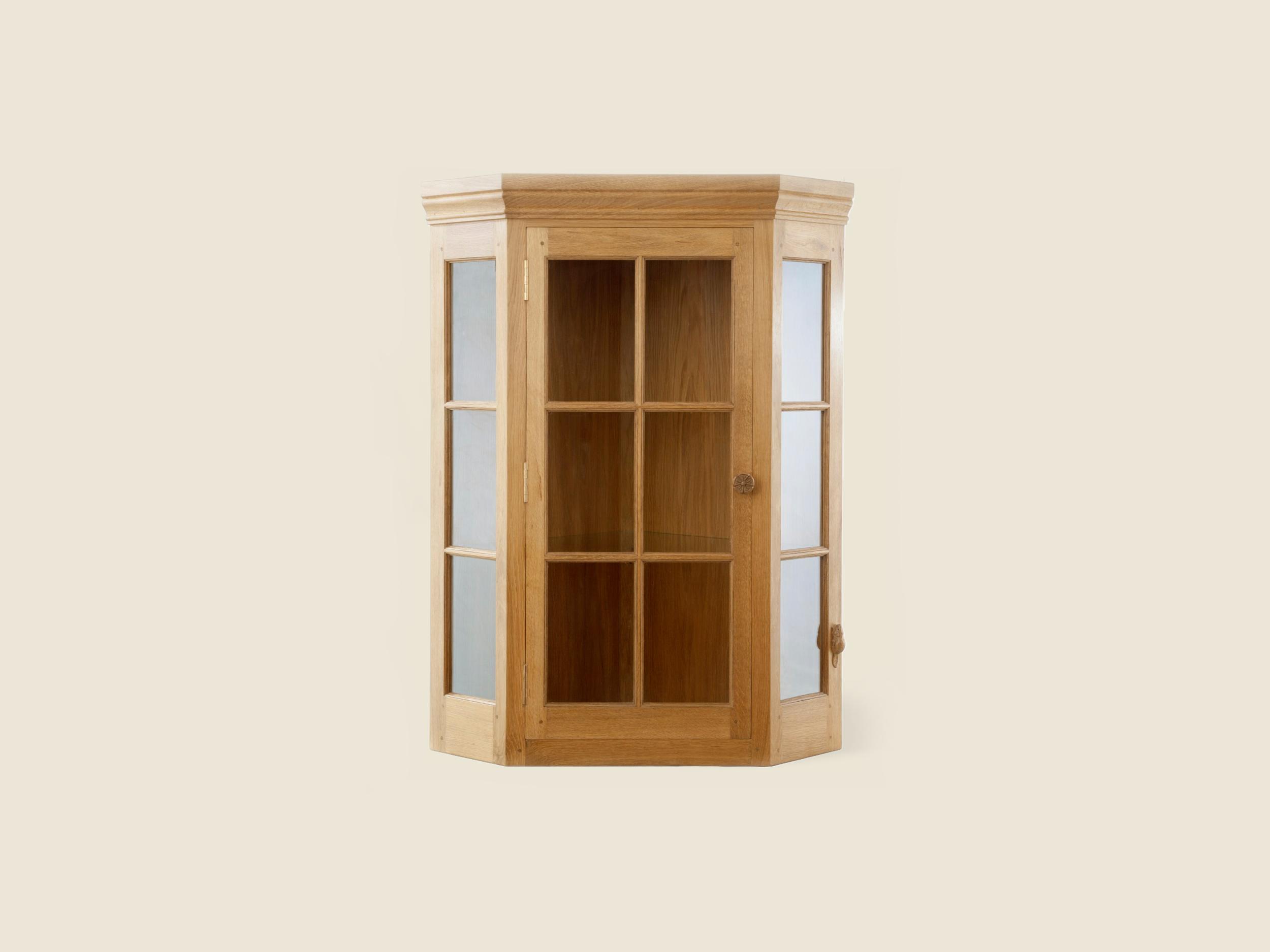 Beaver Furniture Corner Cabinets
