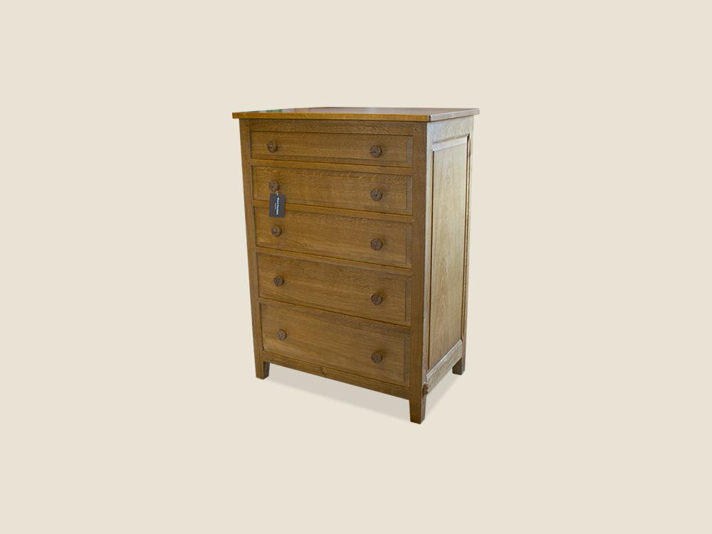 bespoke-oak-chest-of-drawers-beaverman-similar-to-mouseman