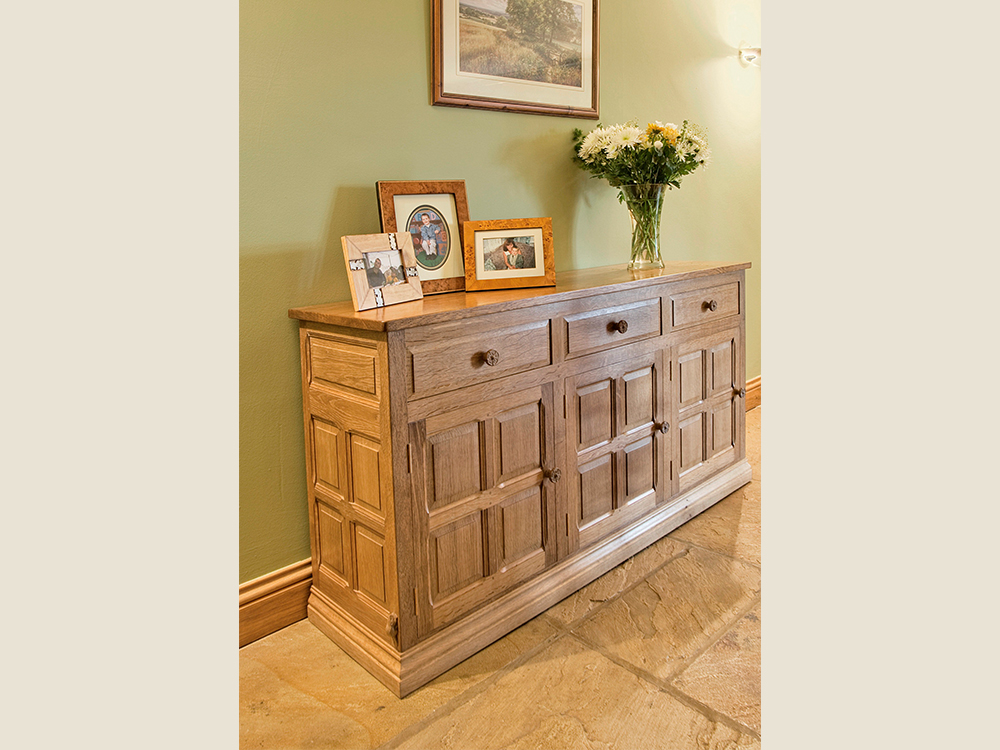 BF305 Traditional Sideboard on Plinth