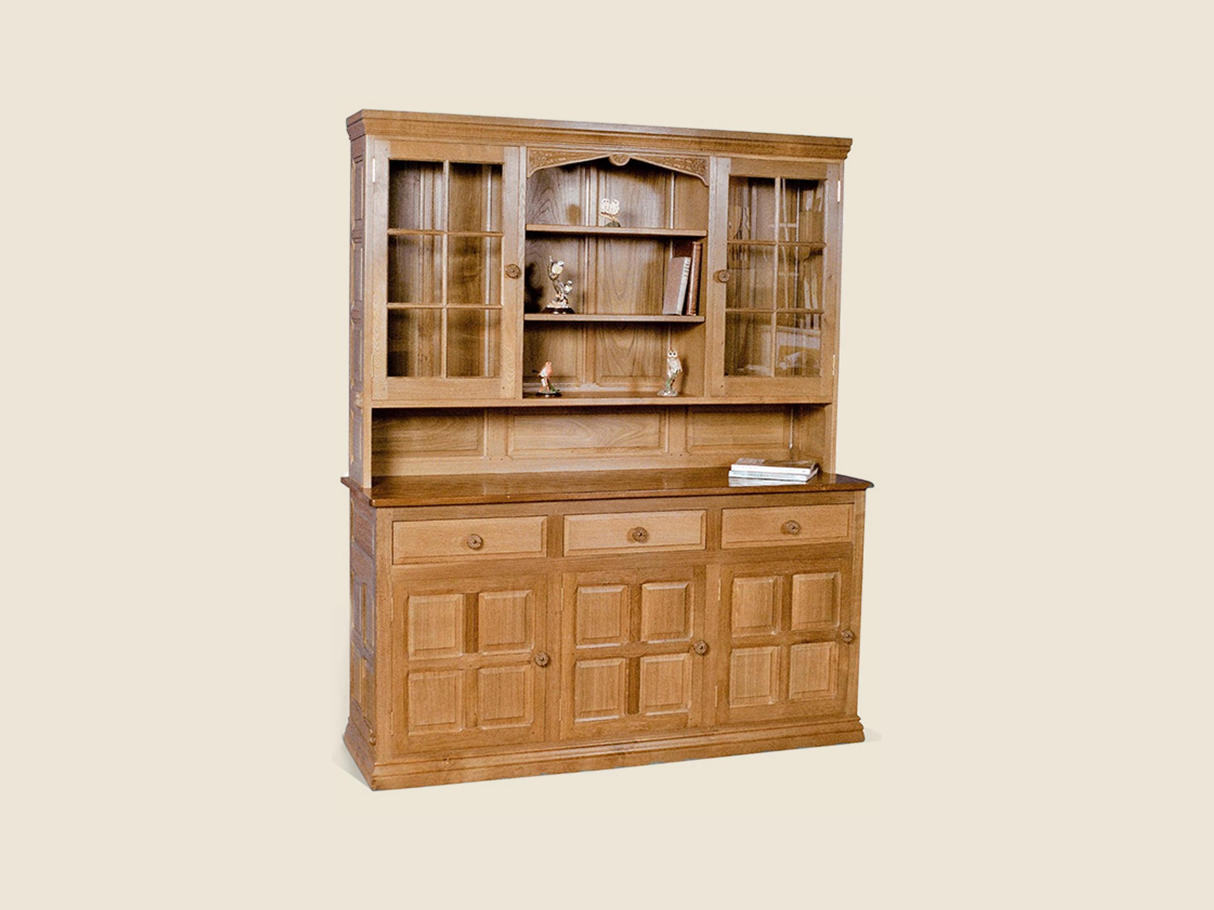 BF404 Traditional Oak Display Dresser