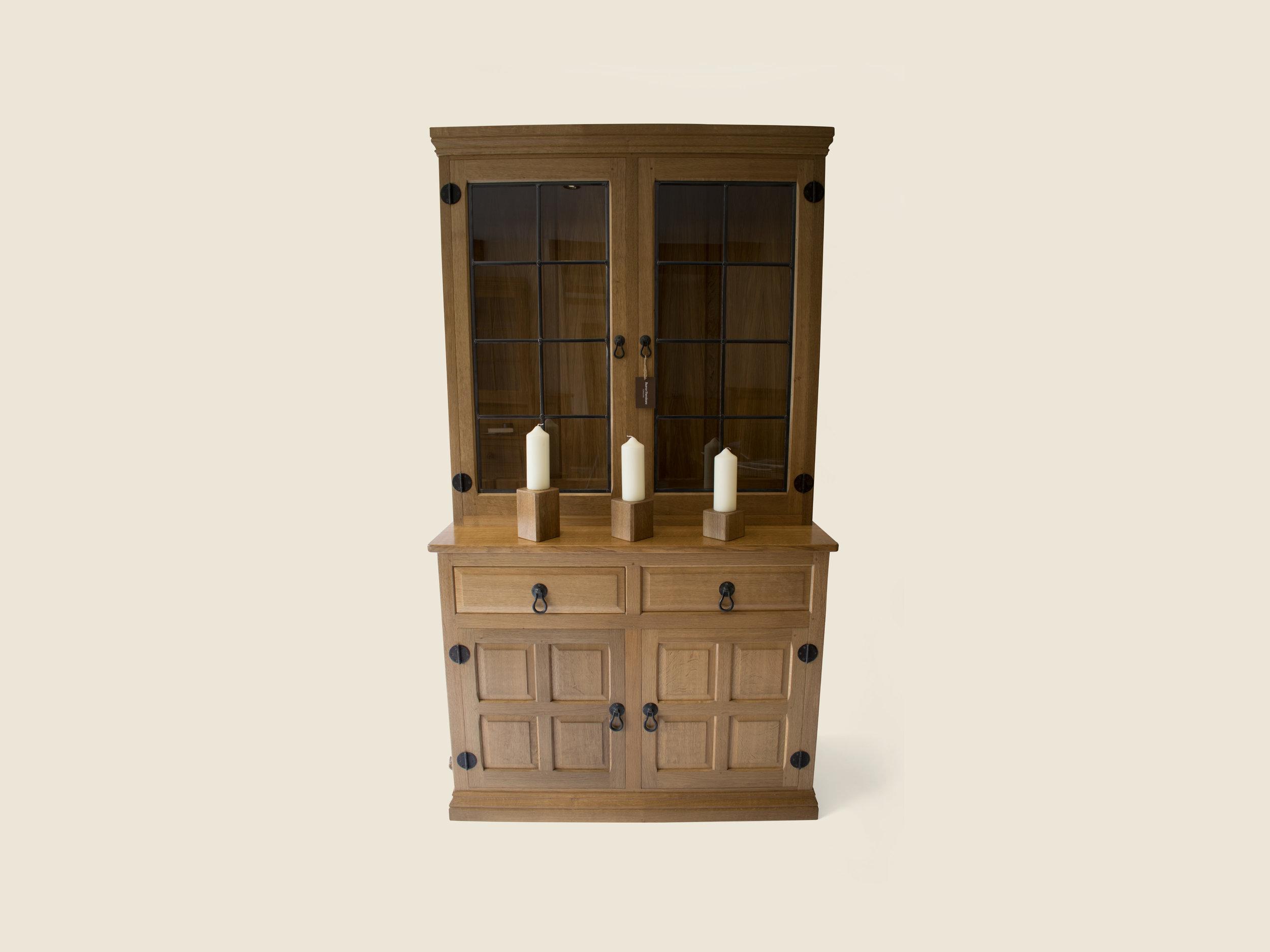 BF407 Traditional Oak Display Dresser