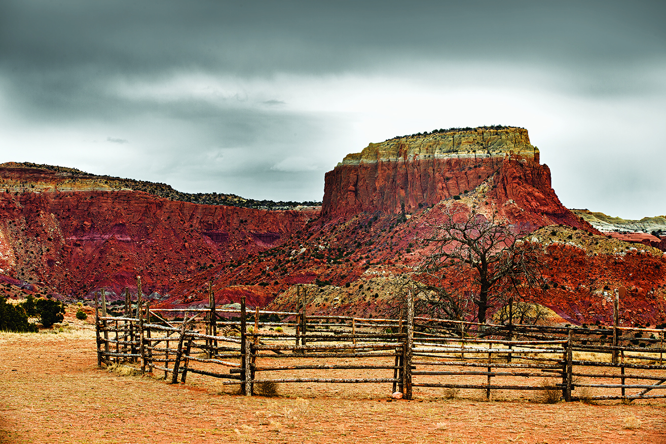 6+©+Robyn+Lea+-+The+dry+and+dramatic+world+of+Ghost+Ranch.jpg