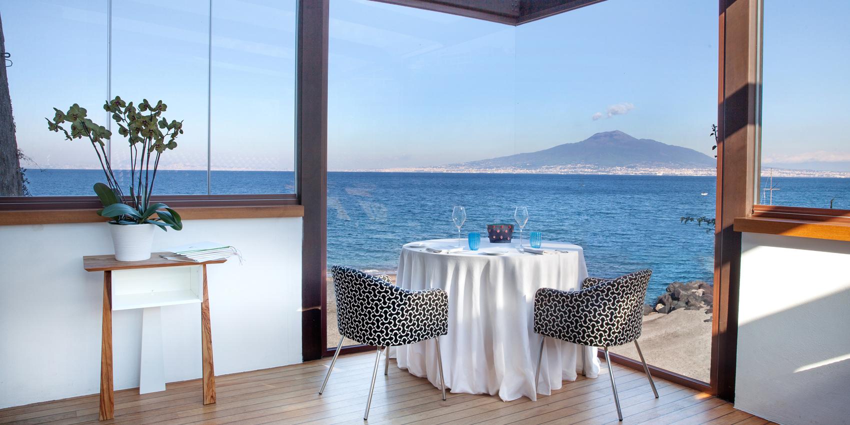 La vista dal ristorante La Torre del Saracino di Gennaro Esposito