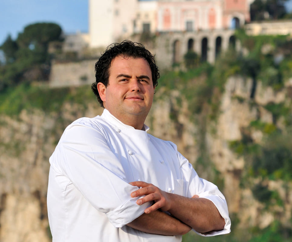 Gennaro Esposito, lo chef che ha conquistato due stelle michelin con il suo La Torre del Saracino.