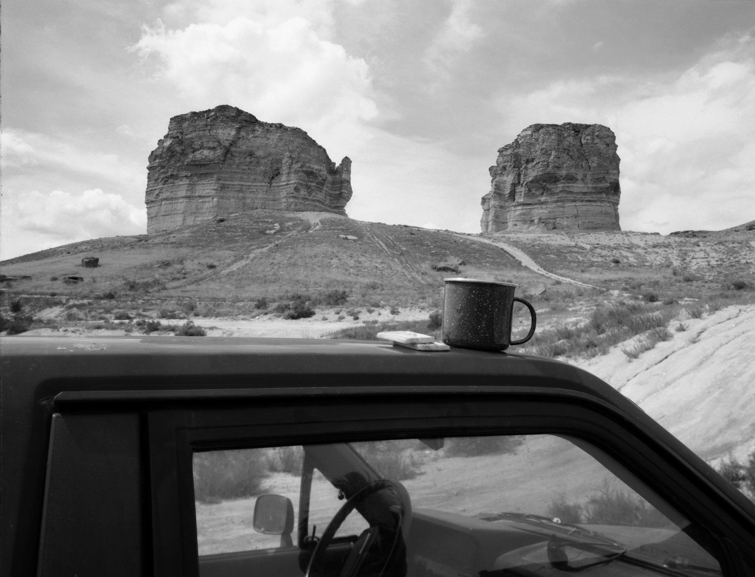 Mark Klett, Tea Break at Teapot Rock, 1997 © Mark Klett, courtesy the artist/Pace MacGill Gallery, NY
