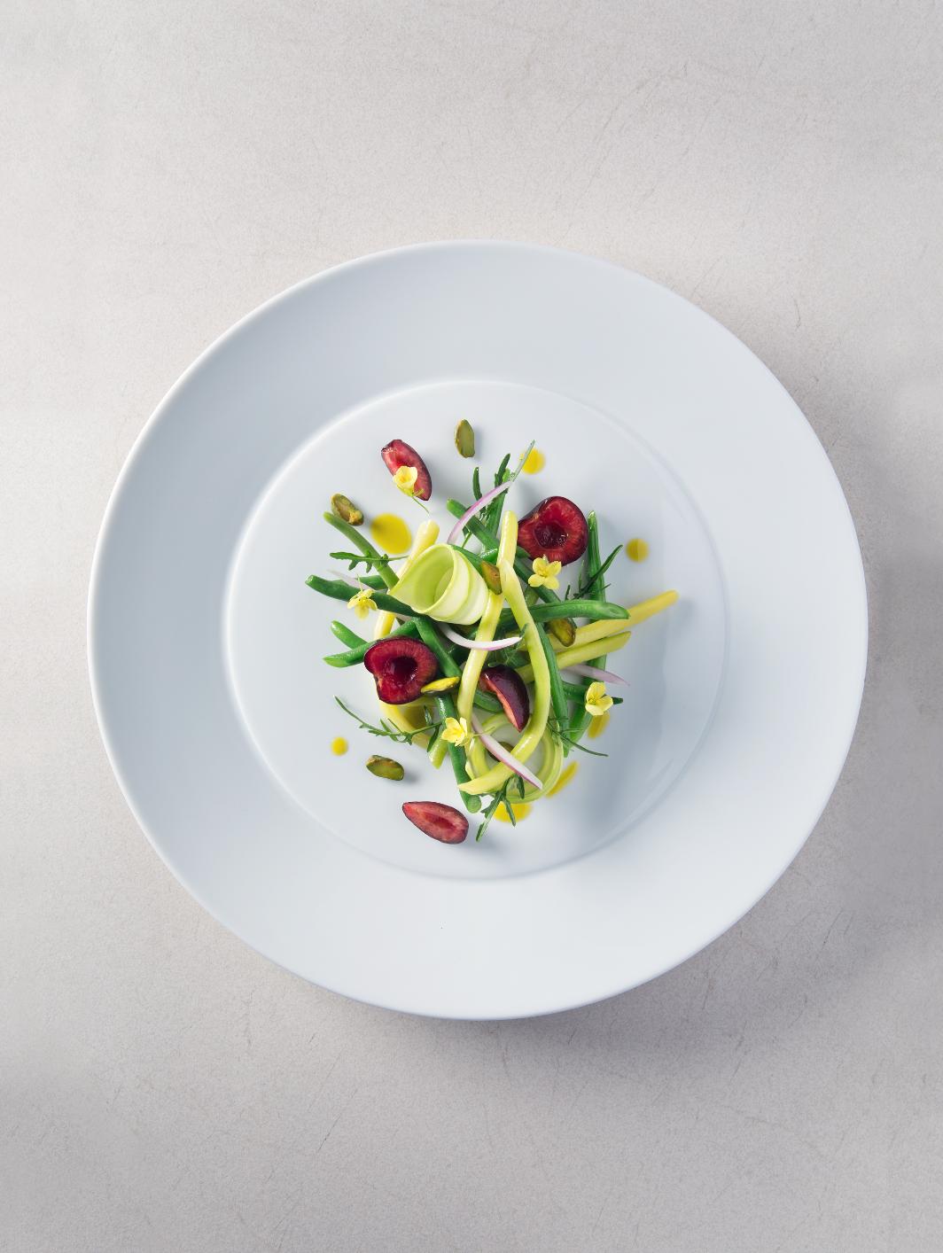 Il Mirazur di mentone si aggiudica il primo posto dei 50's World Best, nel menù anche l'insalata di fagiolini e zucchine con vinaigrette al pistacchio e ciliegie