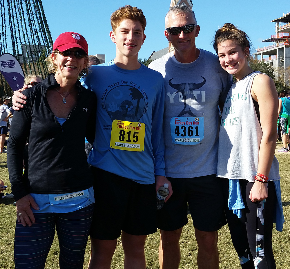 Logan with his parents family – Tom and Holly Brown and sister, Carly