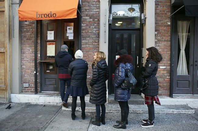 American's are really catching on. New Yorkers line up in the cold to order drinkable cups of bone broth from the walk-up window at Brodo Broth Company, and athletes from the LA Lakers are turning to bone broth as their secret weapon to heal from injury and over exertion.