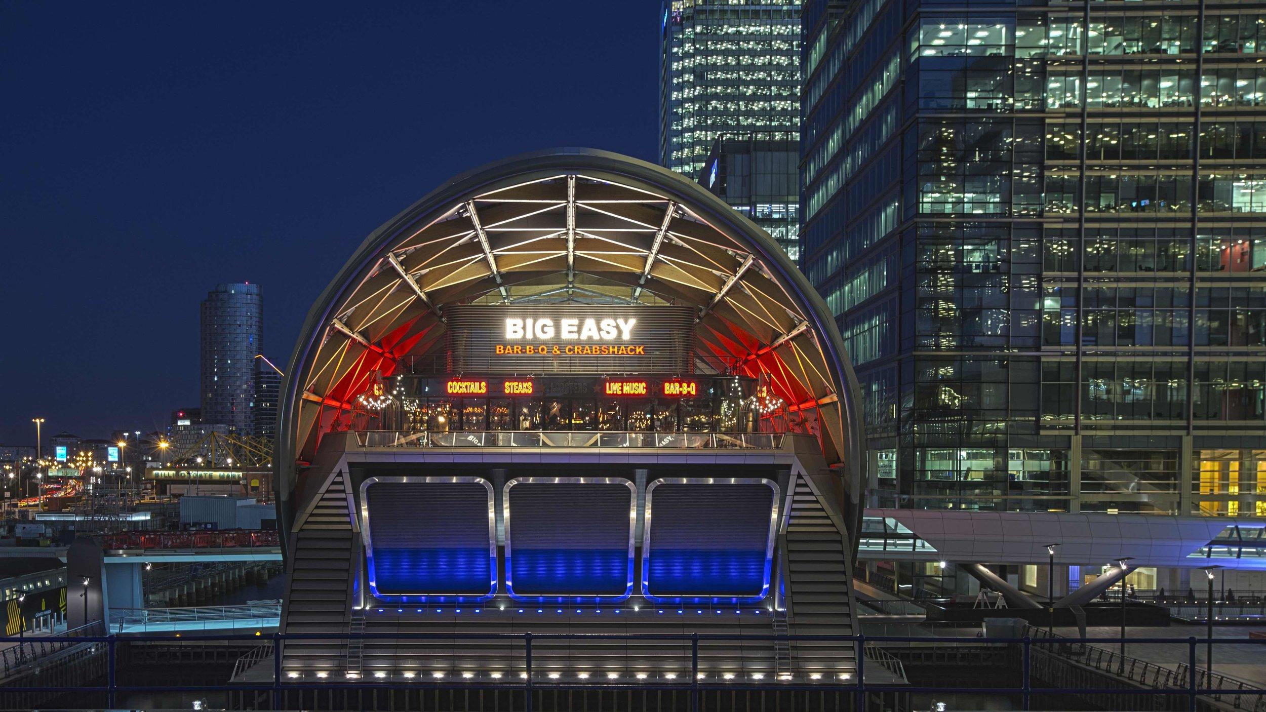 fabio_burrelli_street_photography_architecture_london_canary_wharf-2.jpg