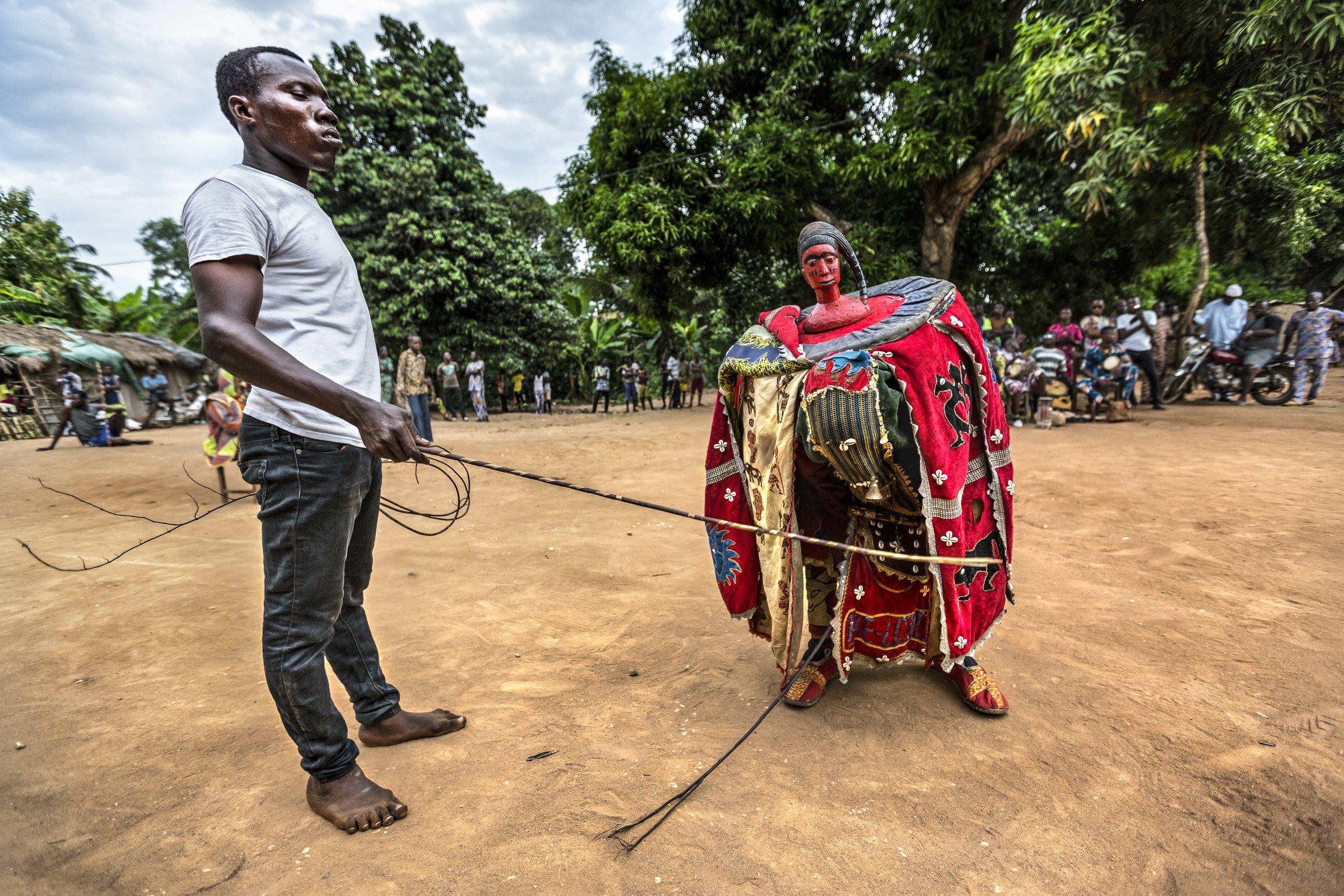 documentary-reportage-photography-voodoo-fabio-burrelli-8.jpg