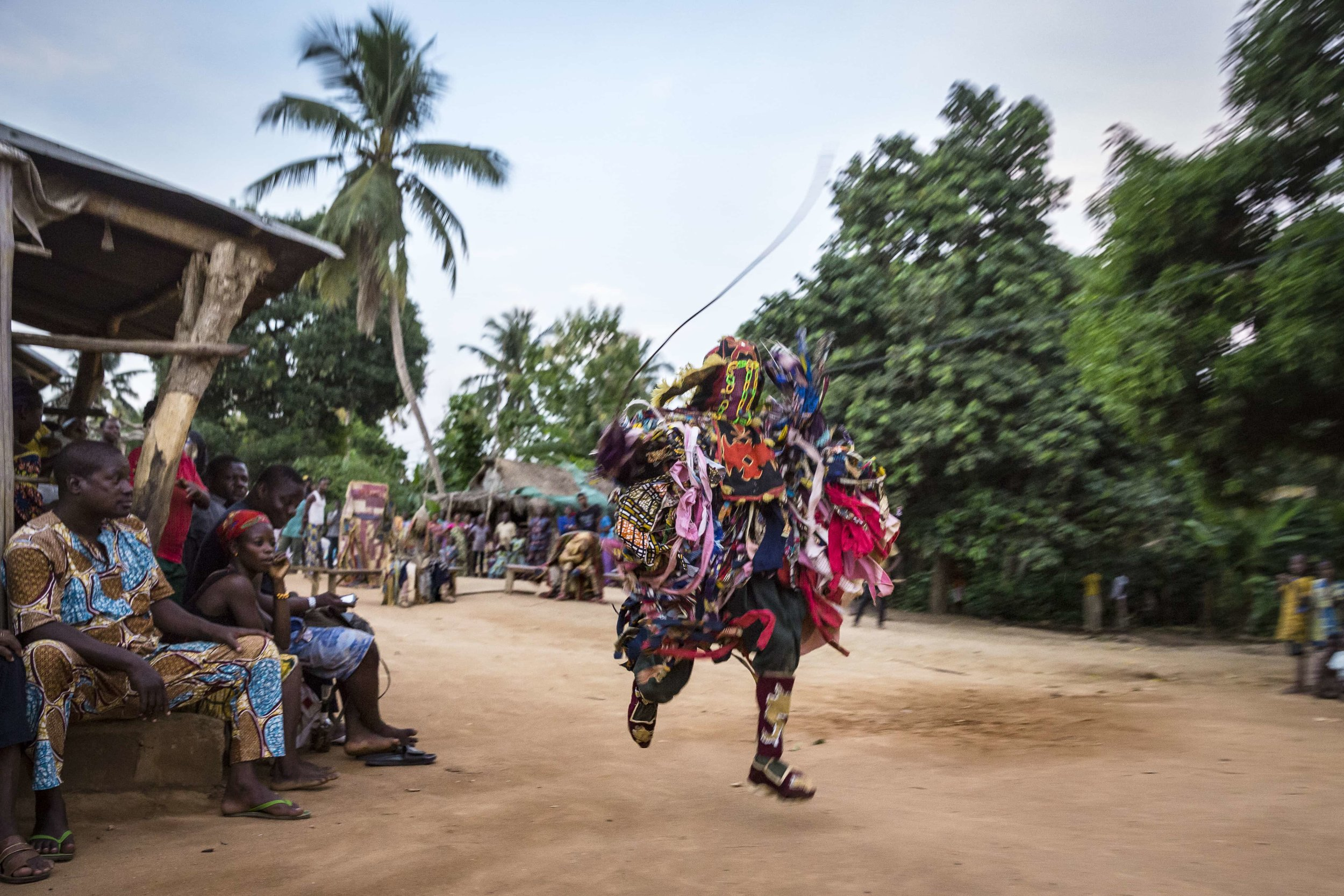 documentary-reportage-photography-voodoo-fabio-burrelli-14.jpg