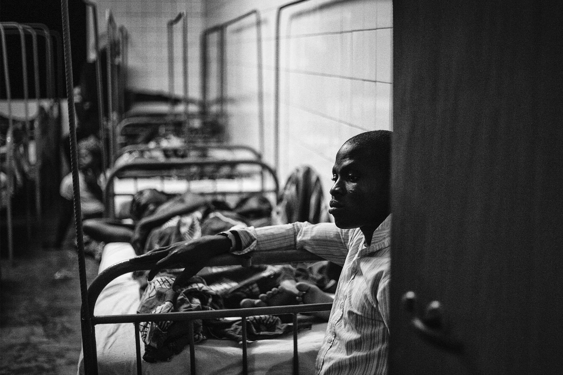 documentary-reportage-24-hrs-gbemontin-healthcare-centre-fabio-burrelli-35.jpg