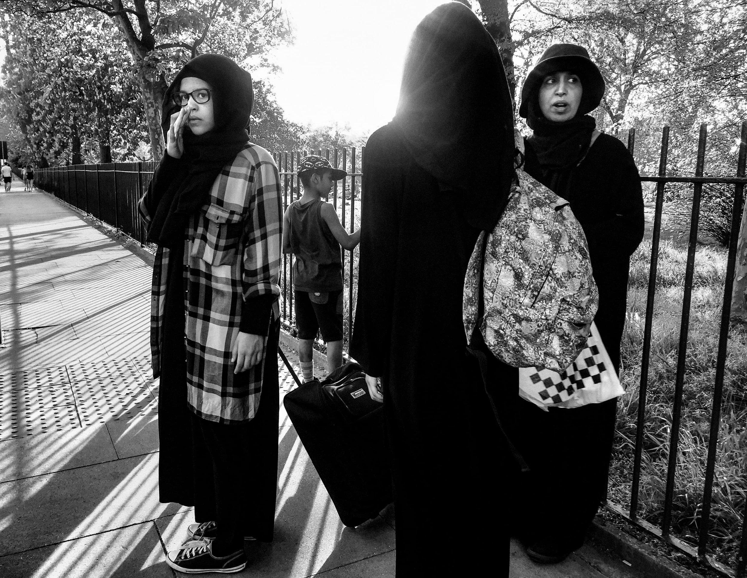 street-documentary-iphone-photography-fabio-burrelli-16.jpg