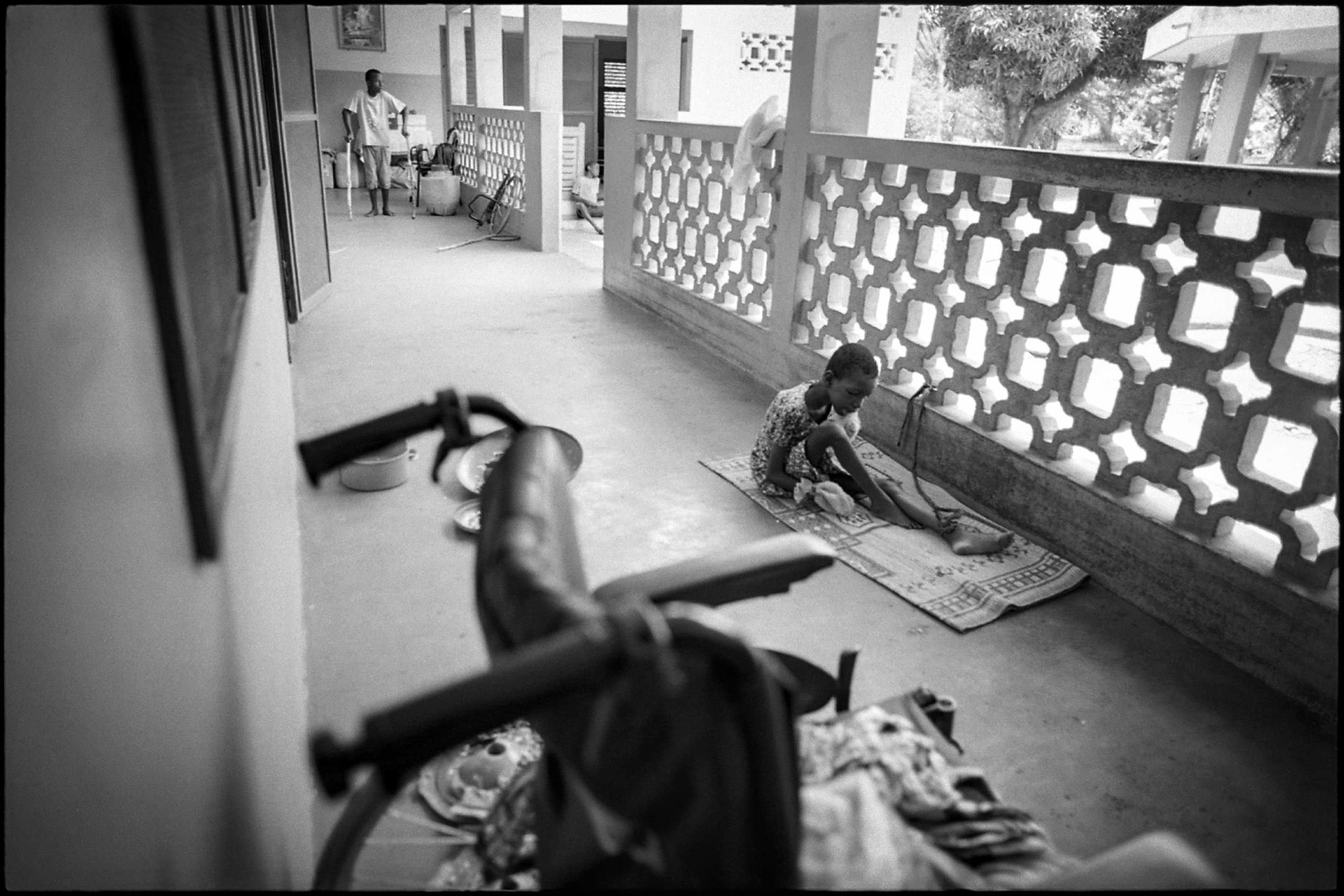 documentary-reportage-centre-les-archanges-fabio-burrelli-3.jpg
