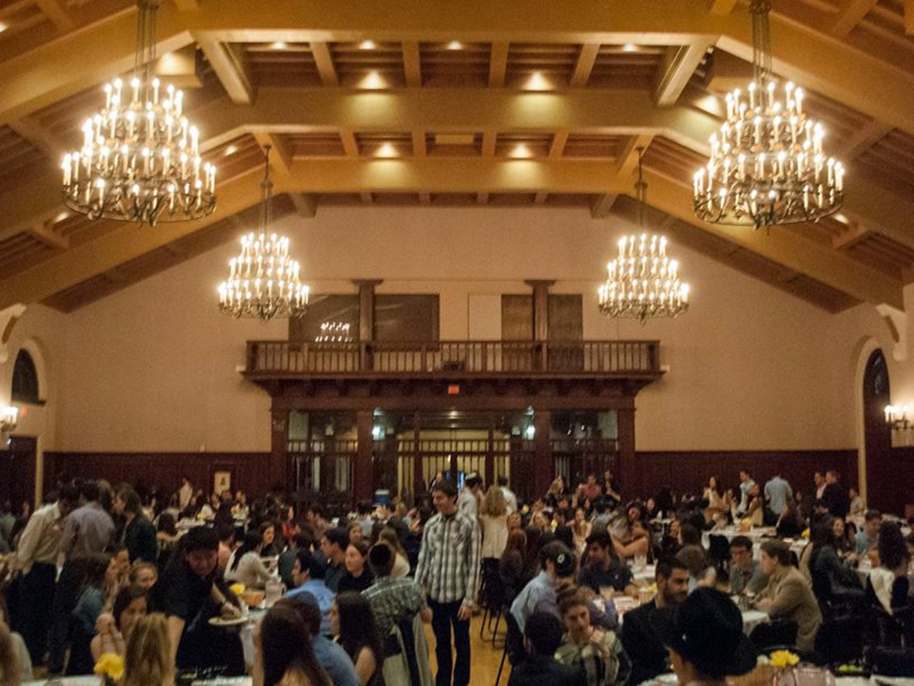 Shabbat 500 filled the Texas Union Ballroom on UT's campus. Courtesy of Evan Goldberg