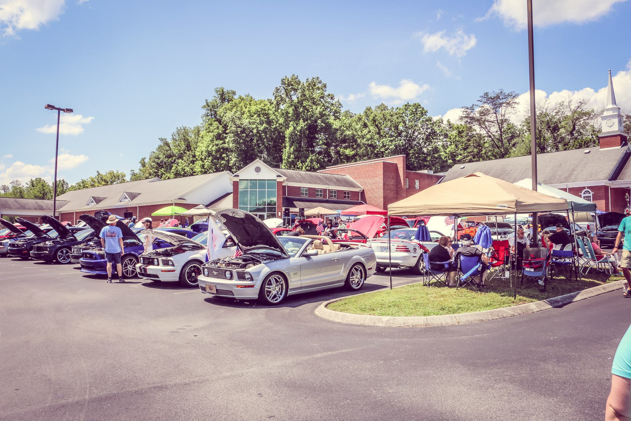 Sharon Parrot Car Show 1.jpg
