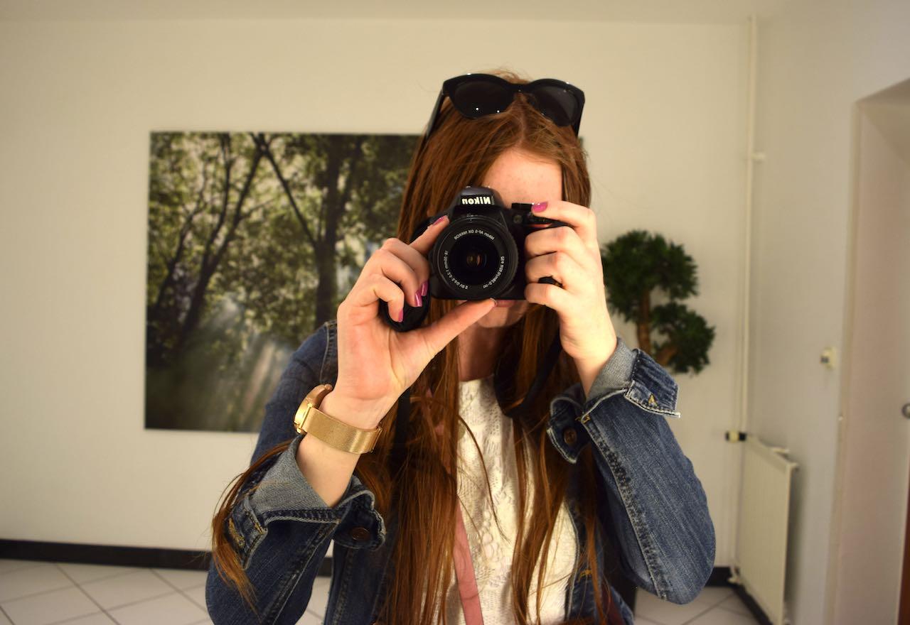 photoinhotel.jpg