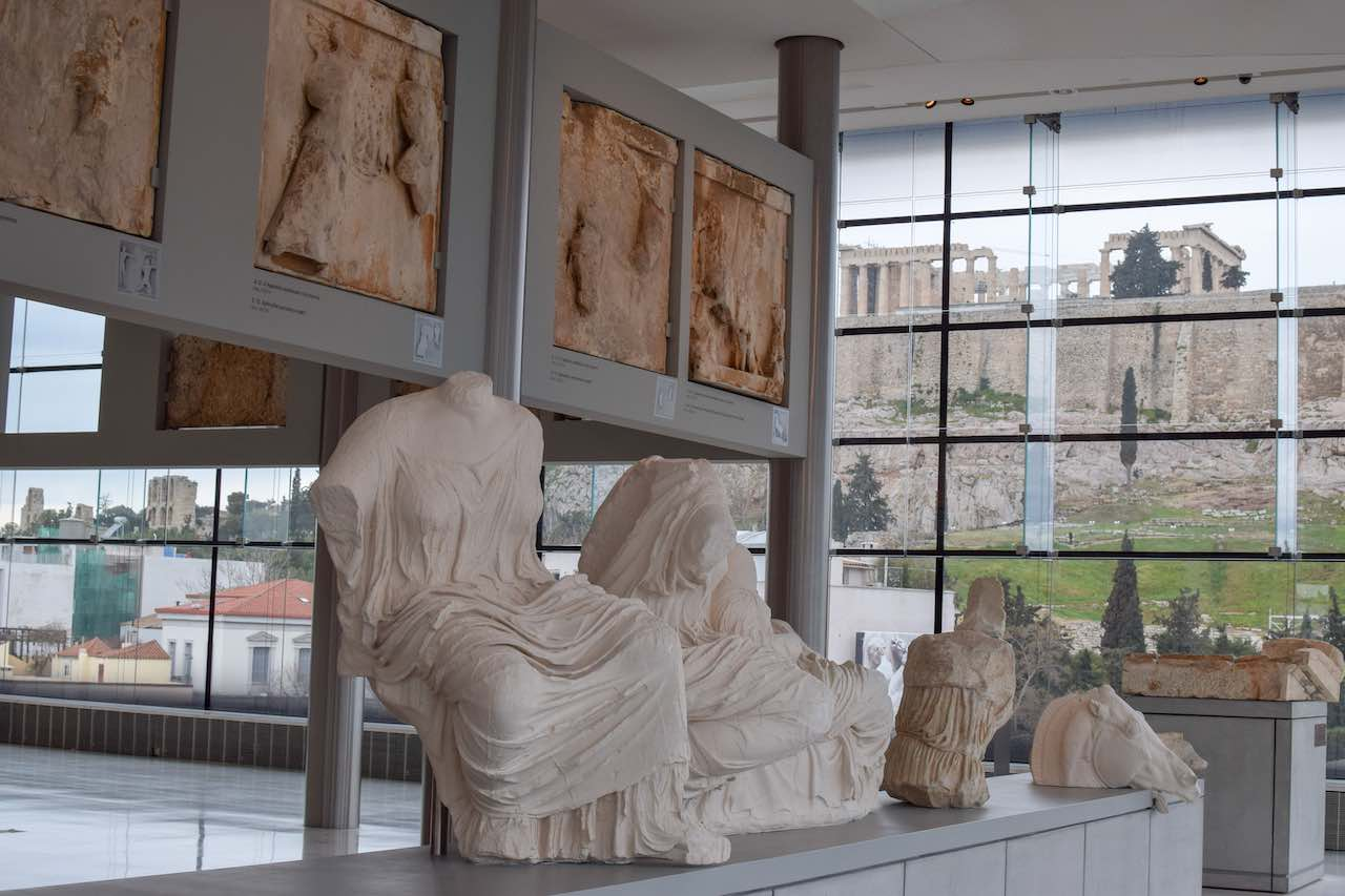acropolismuseumwithview.jpg